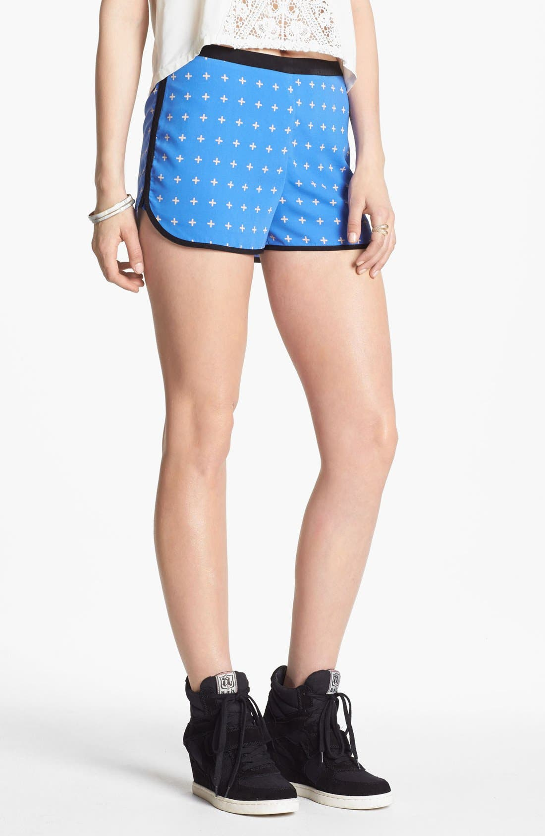 Alternate Image 1 Selected - Lush Dolphin Shorts (Juniors) (Online Only)