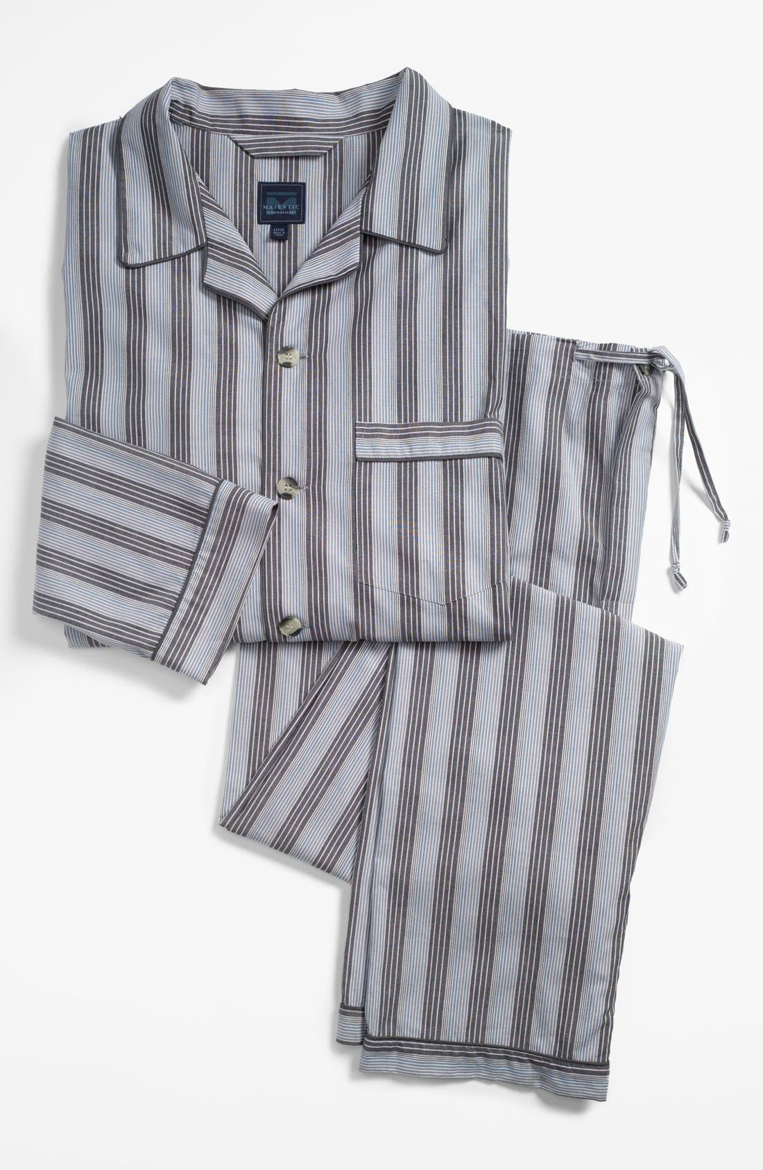 Alternate Image 1 Selected - Majestic International 'Westin' Pajamas (Big & Tall)