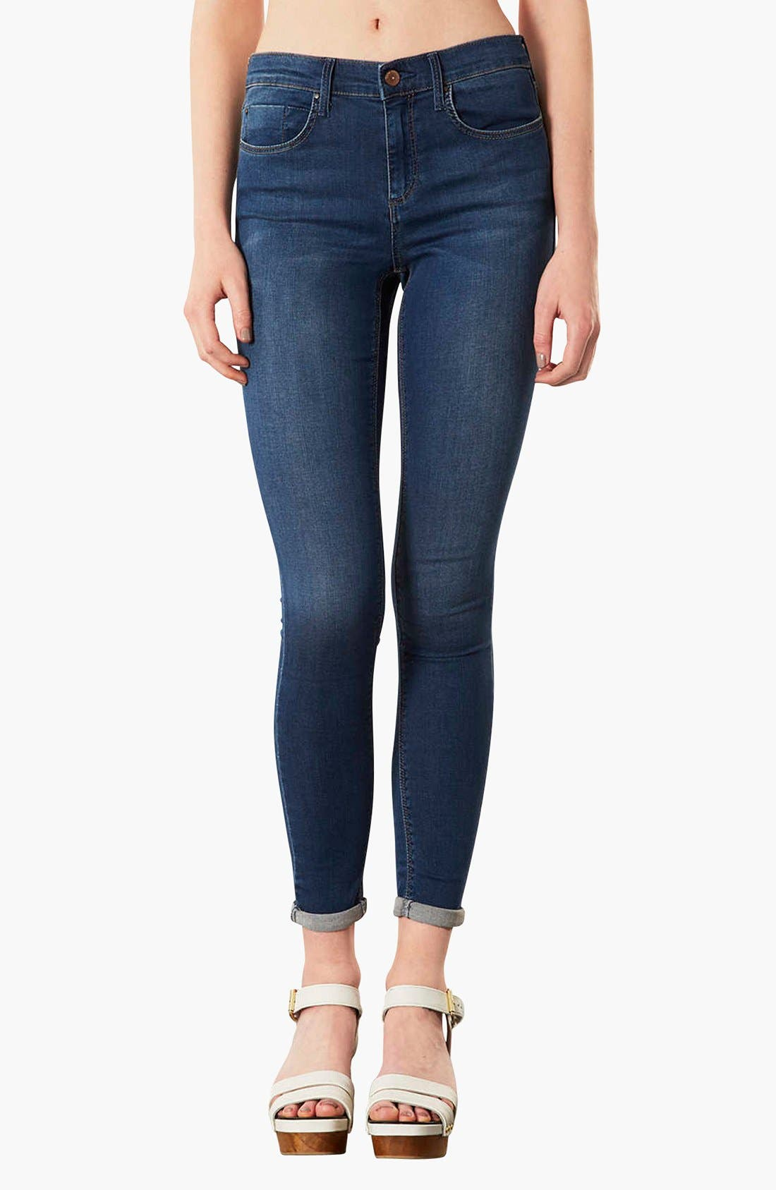 Main Image - Topshop Moto 'Leigh' Skinny Ankle Jeans (Mid Stone)