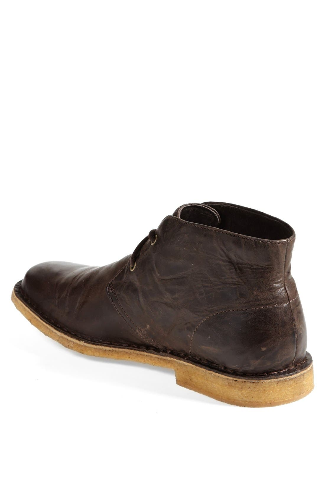 Alternate Image 2  - UGG® Leighton Chukka Boot (Men)