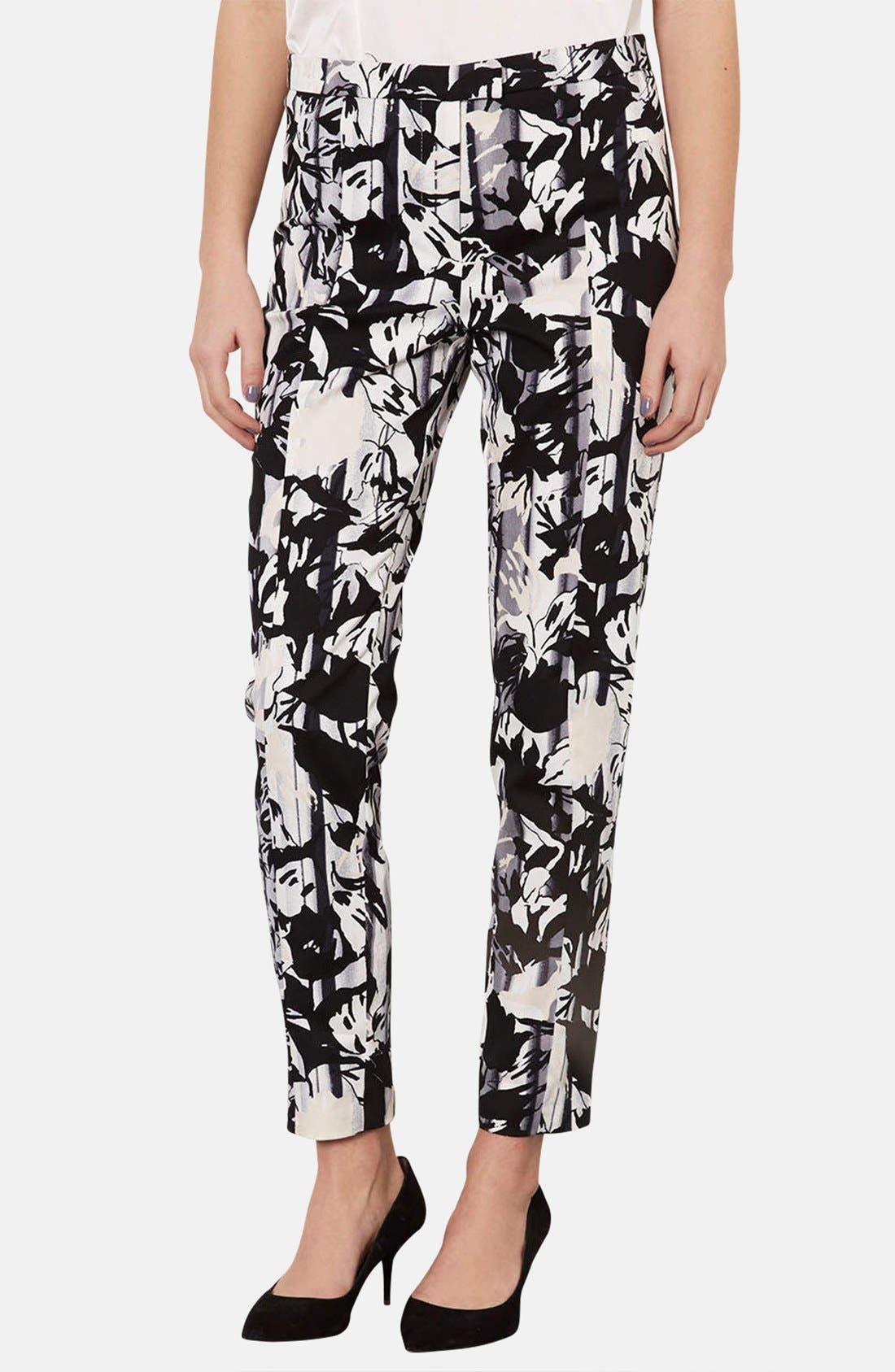 Main Image - Topshop Floral Print Cigarette Pants