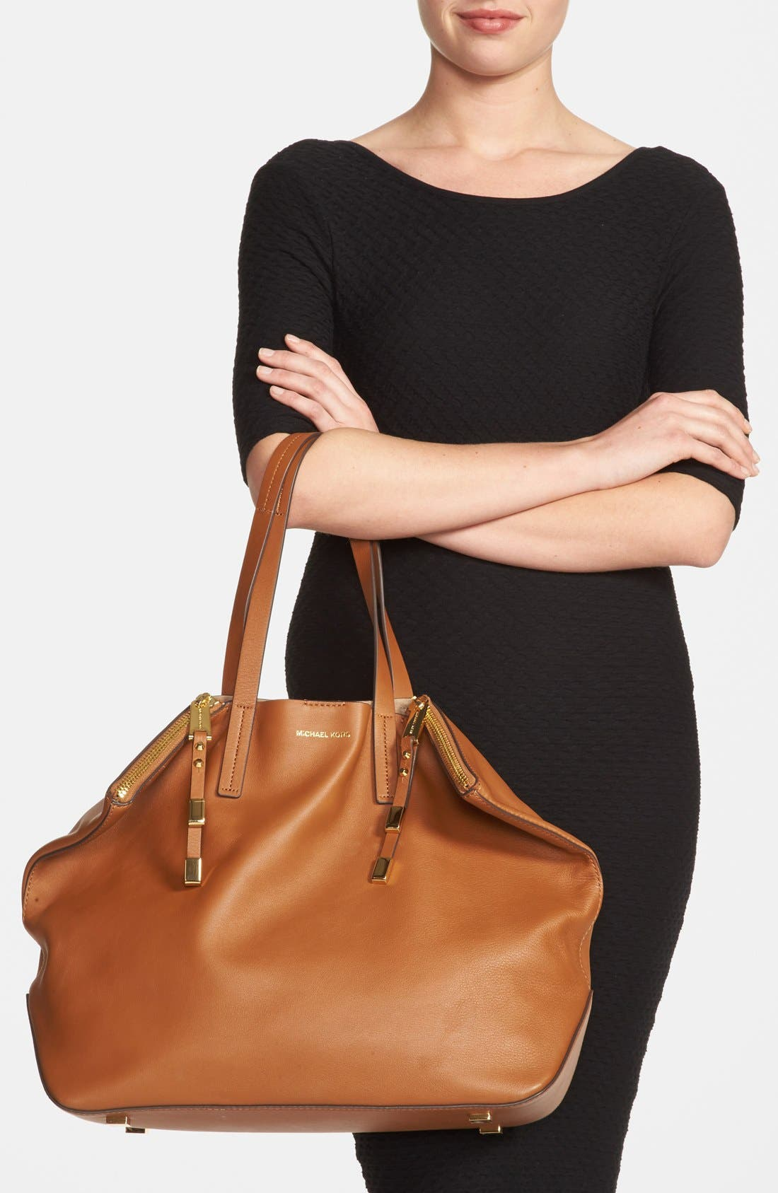 Alternate Image 2  - Michael Kors 'Large Miranda' Leather Shopper
