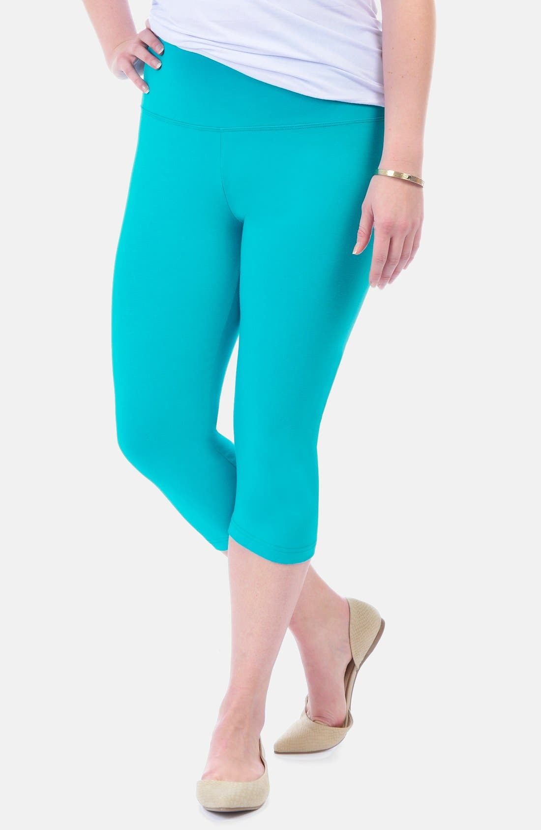 Alternate Image 1 Selected - Lyssé Control Top Capri Leggings (Plus Size)