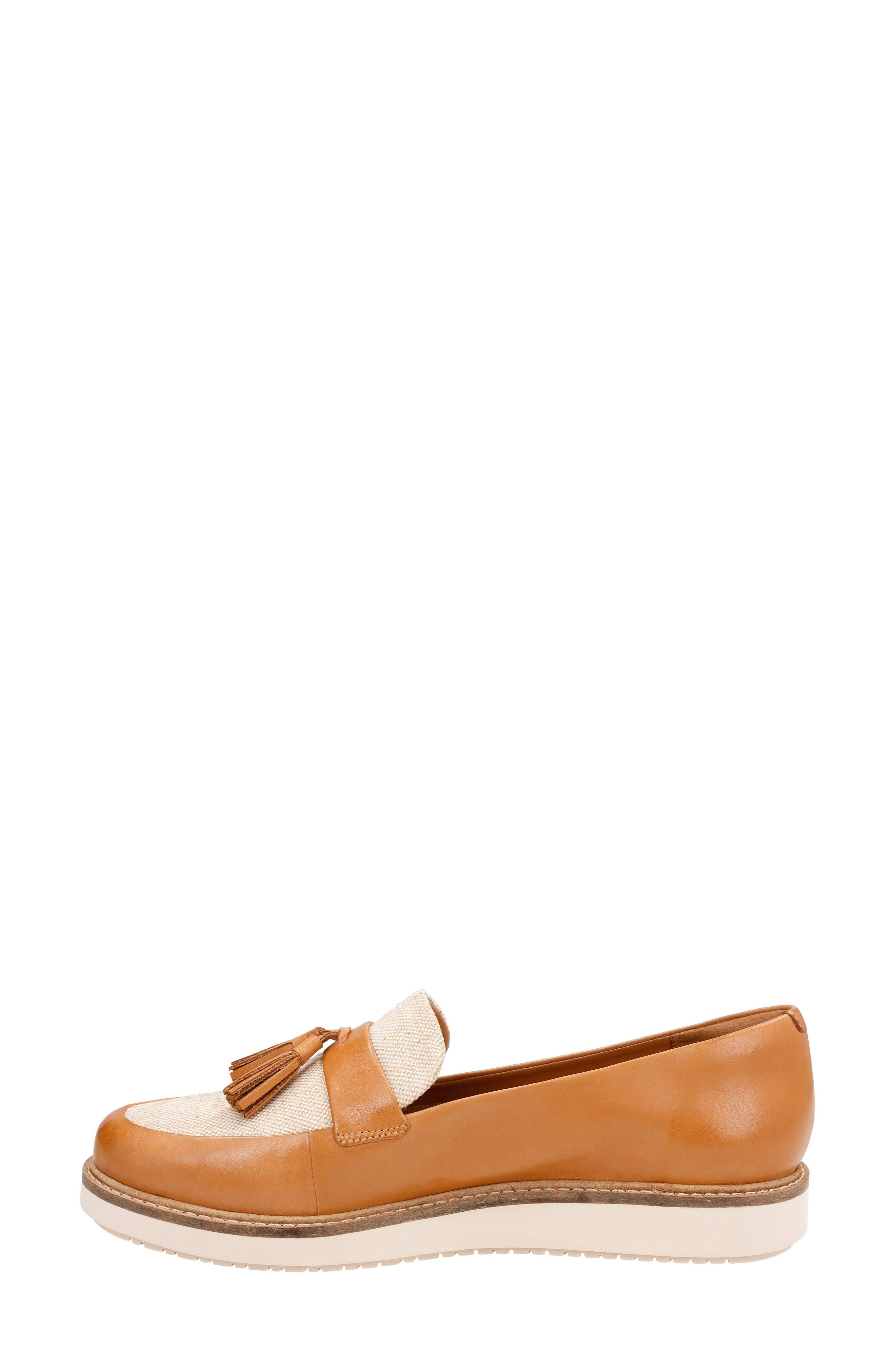 Glick Castine Tassel Loafer,                             Alternate thumbnail 3, color,                             Light Tan Leather