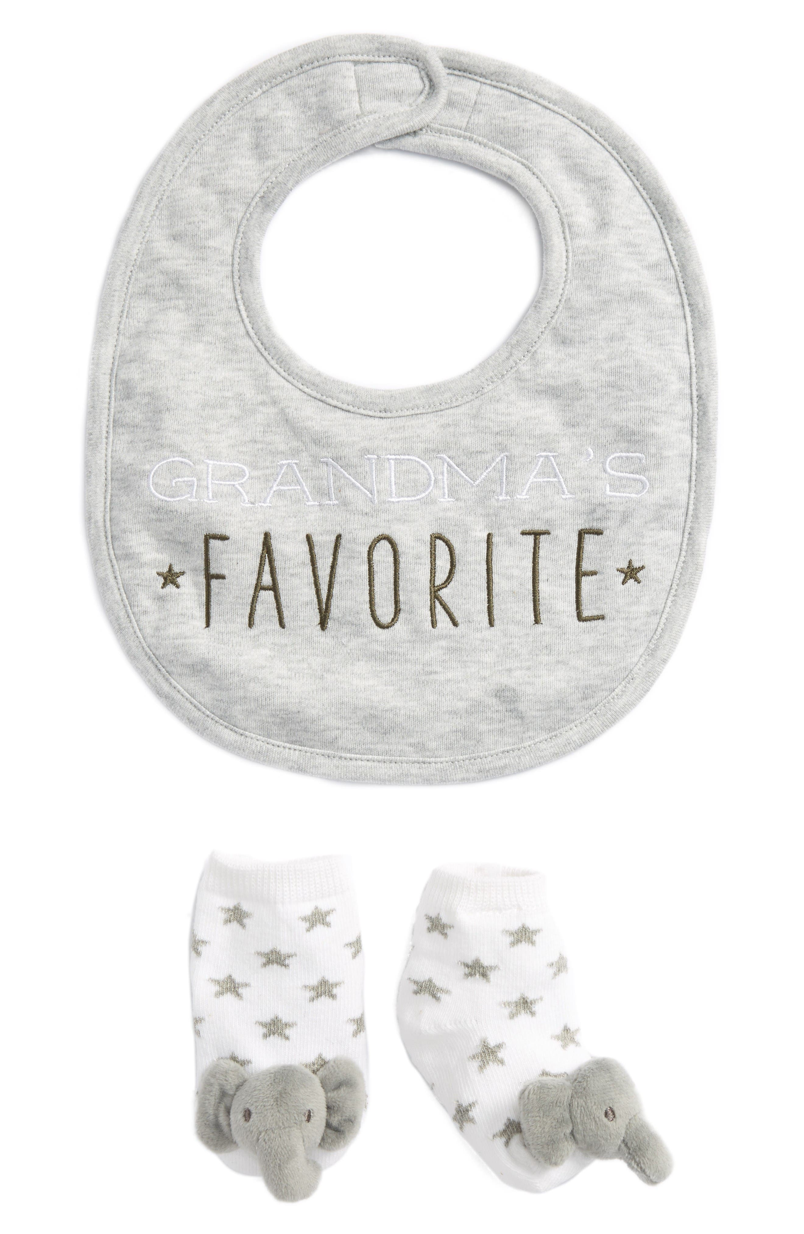 Alternate Image 1 Selected - Mud Pie Grandma's Favorite Bib & Socks Set (Baby)