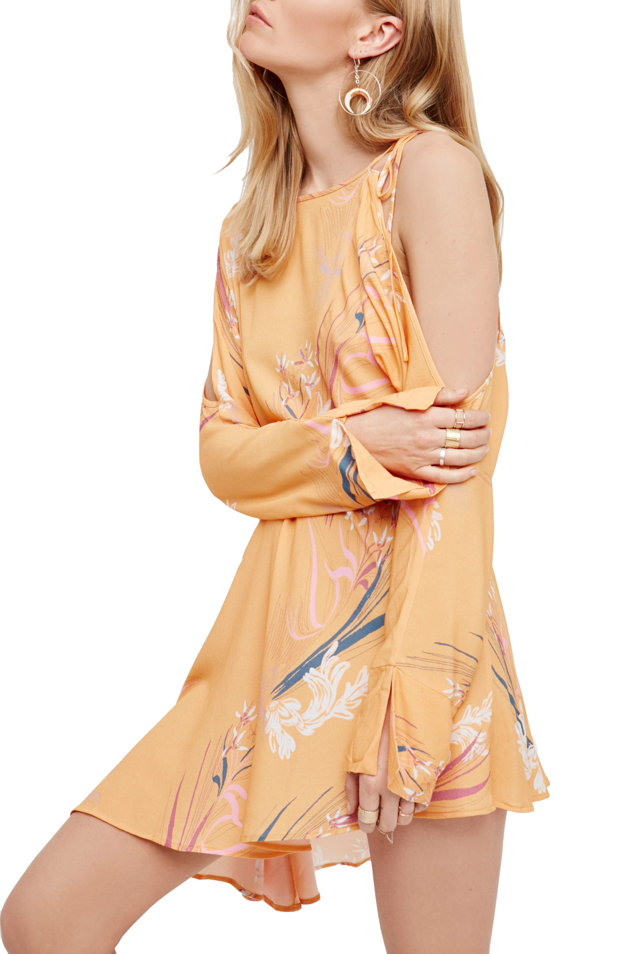 Main Image - Free People Clear Skies Cold Shoulder Tunic