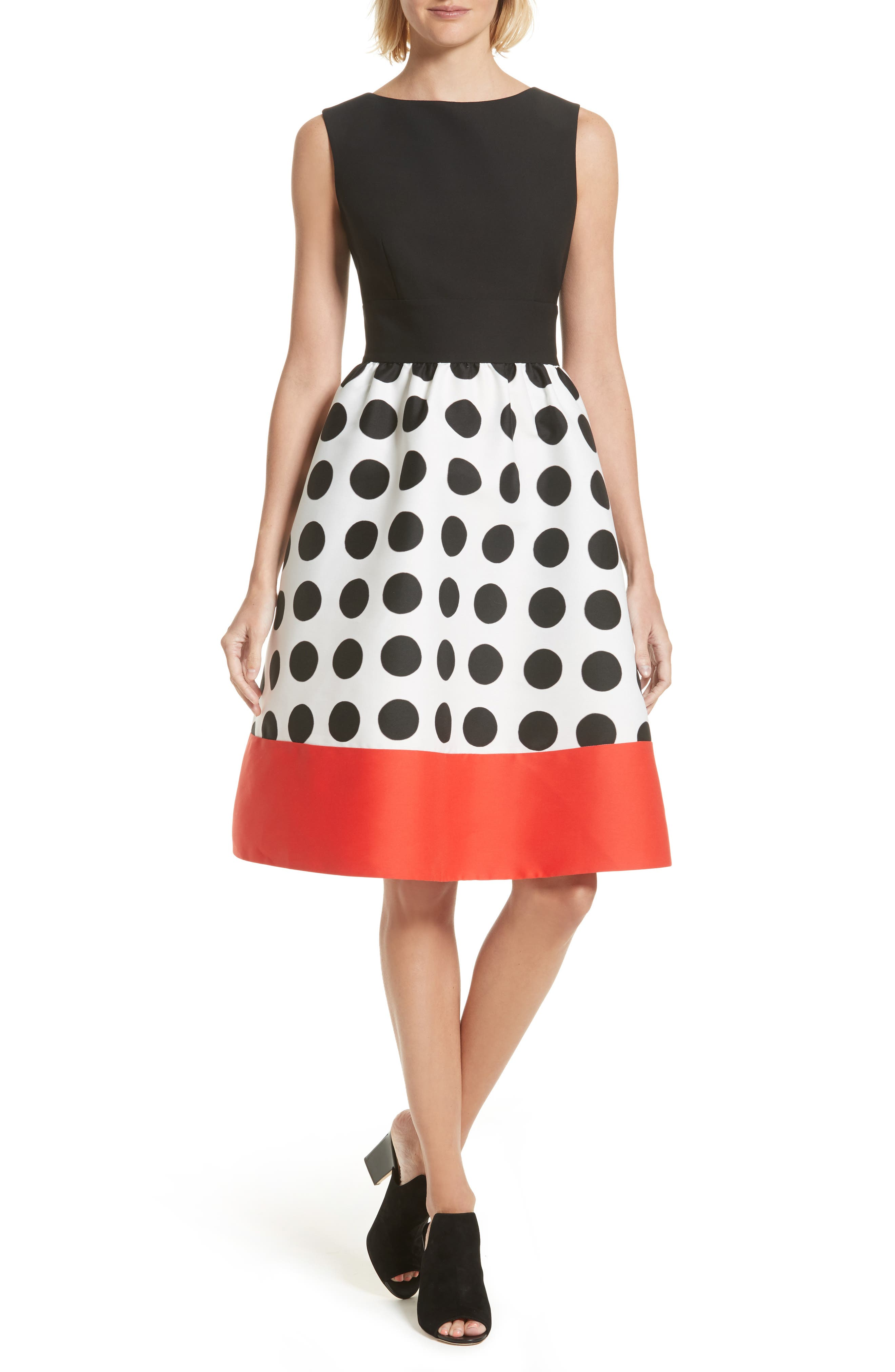 Kate Spade New York is known for bold and stylish high-end designer clothing, designer shoes, women's fashion accessories and more. Get your fashion fix with Cash Back at Ebates on trendy handbags, wallets, glasses, and women's shoes.