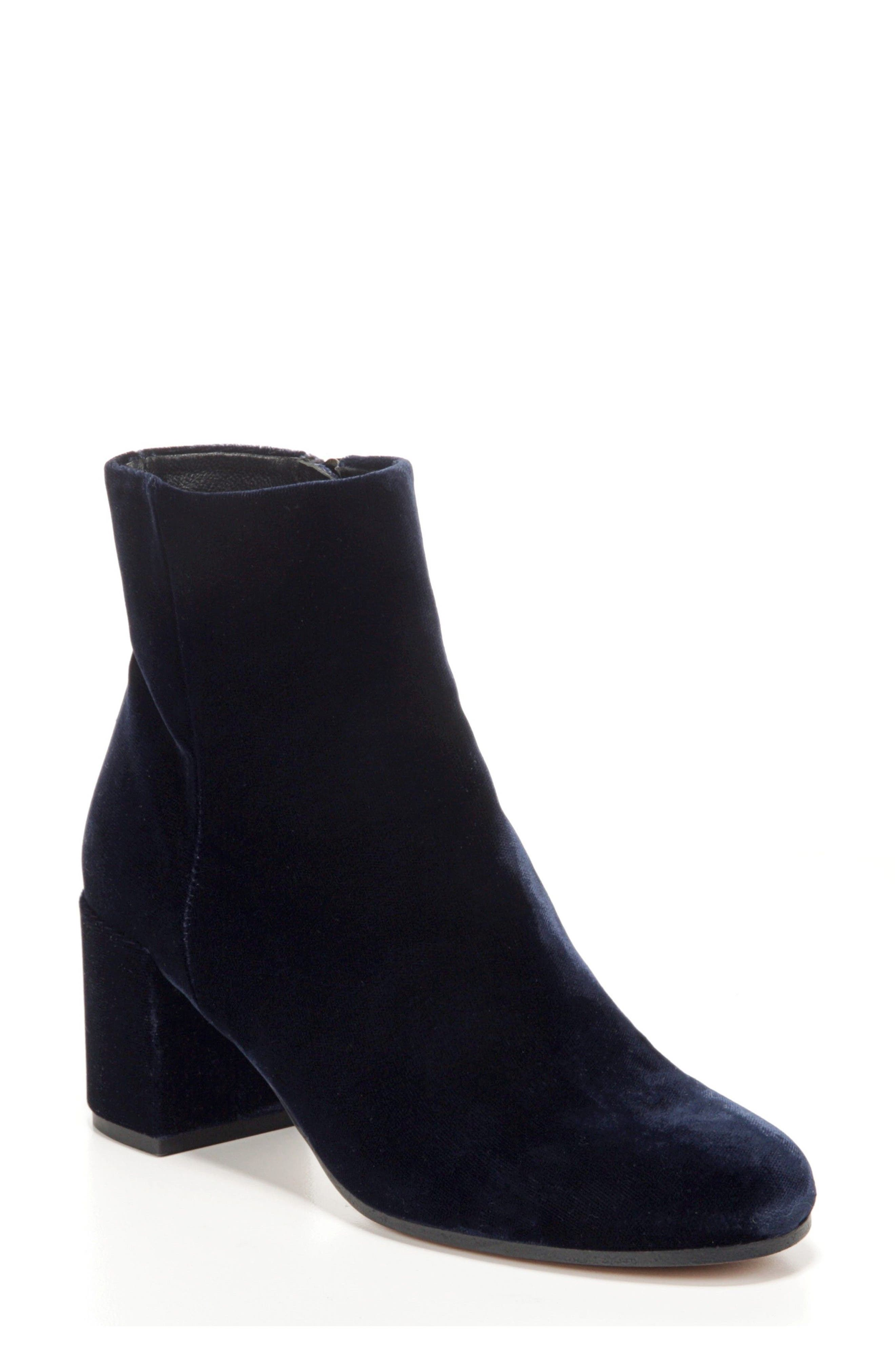Vince 'Blakely' Block Heel Bootie (Women)