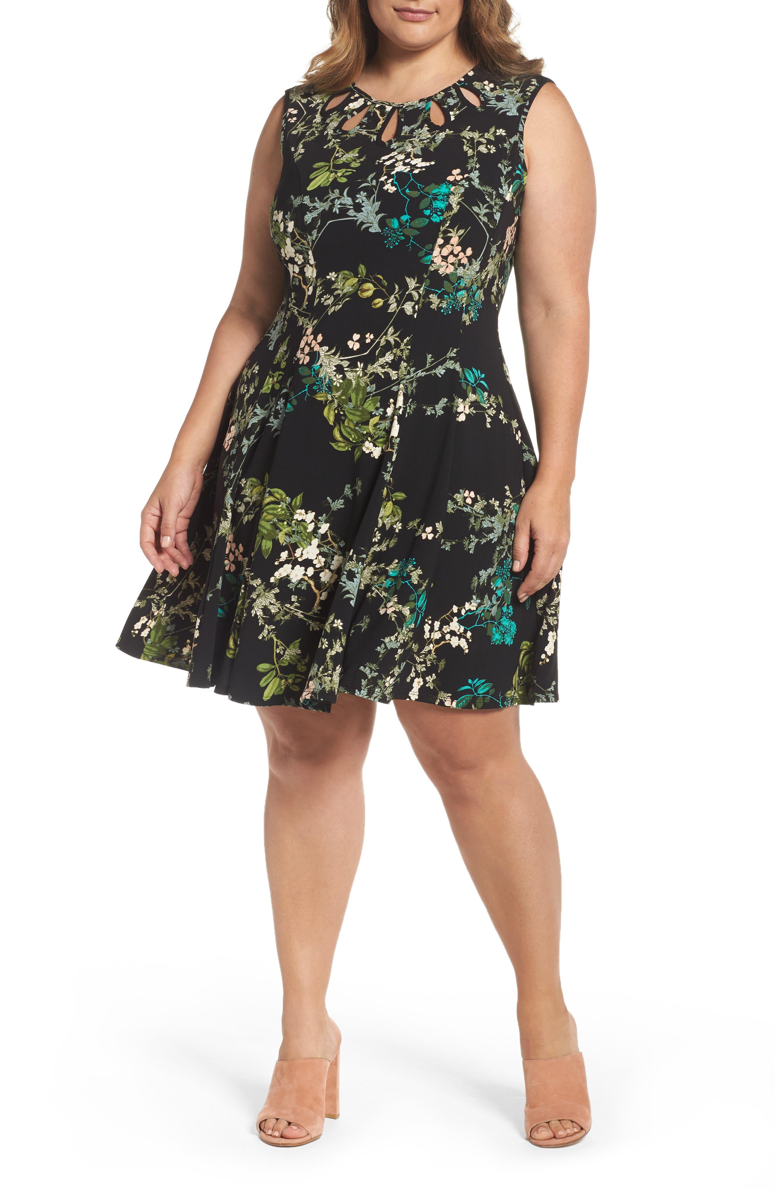Gabby Skye Keyhole Detail Floral Fit & Flare Dress (Plus Size)