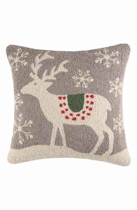 peking handicraft scandinavian reindeer hooked accent pillow