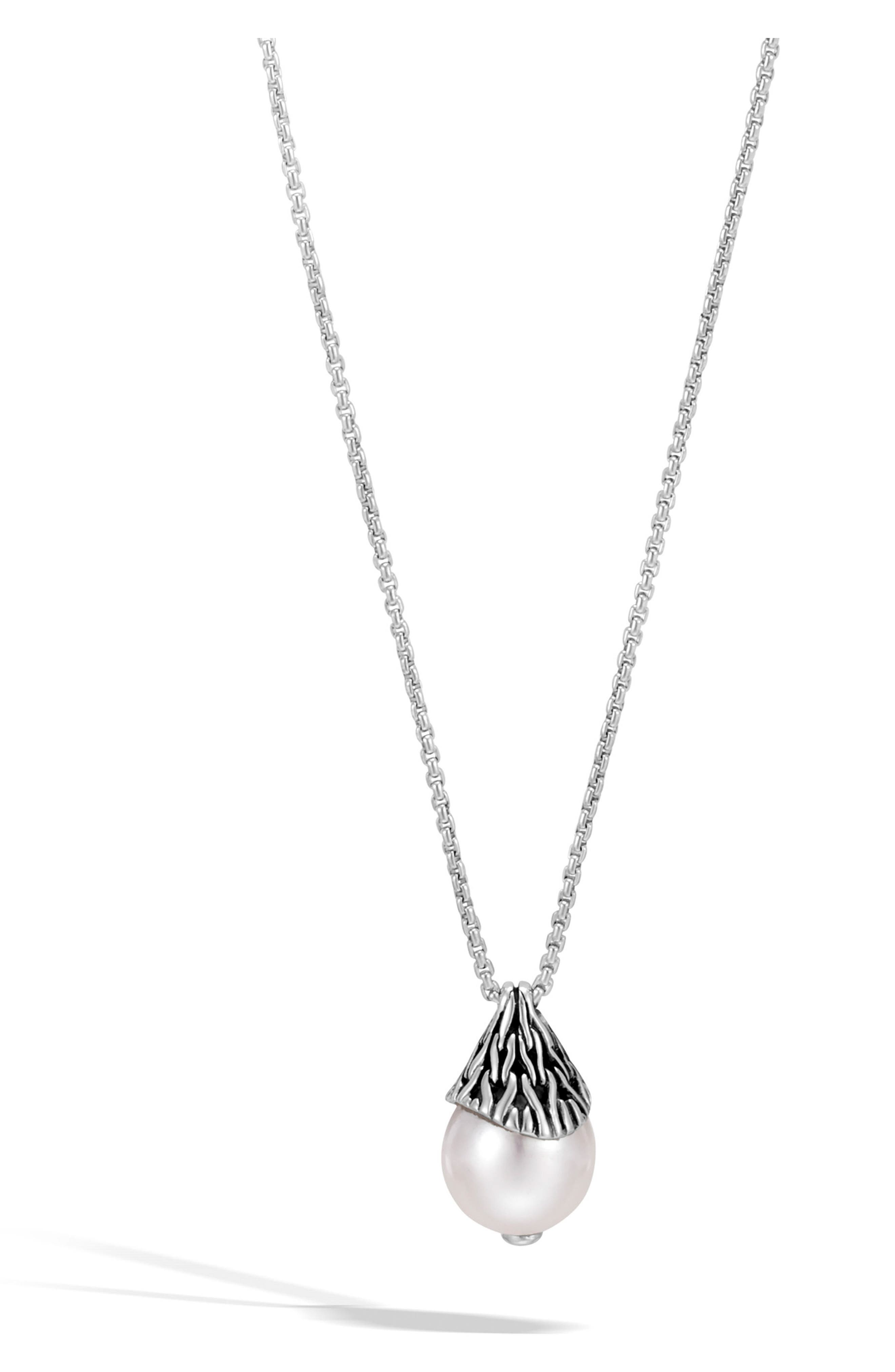 Classic Chain Pendant Necklace,                         Main,                         color, Silver