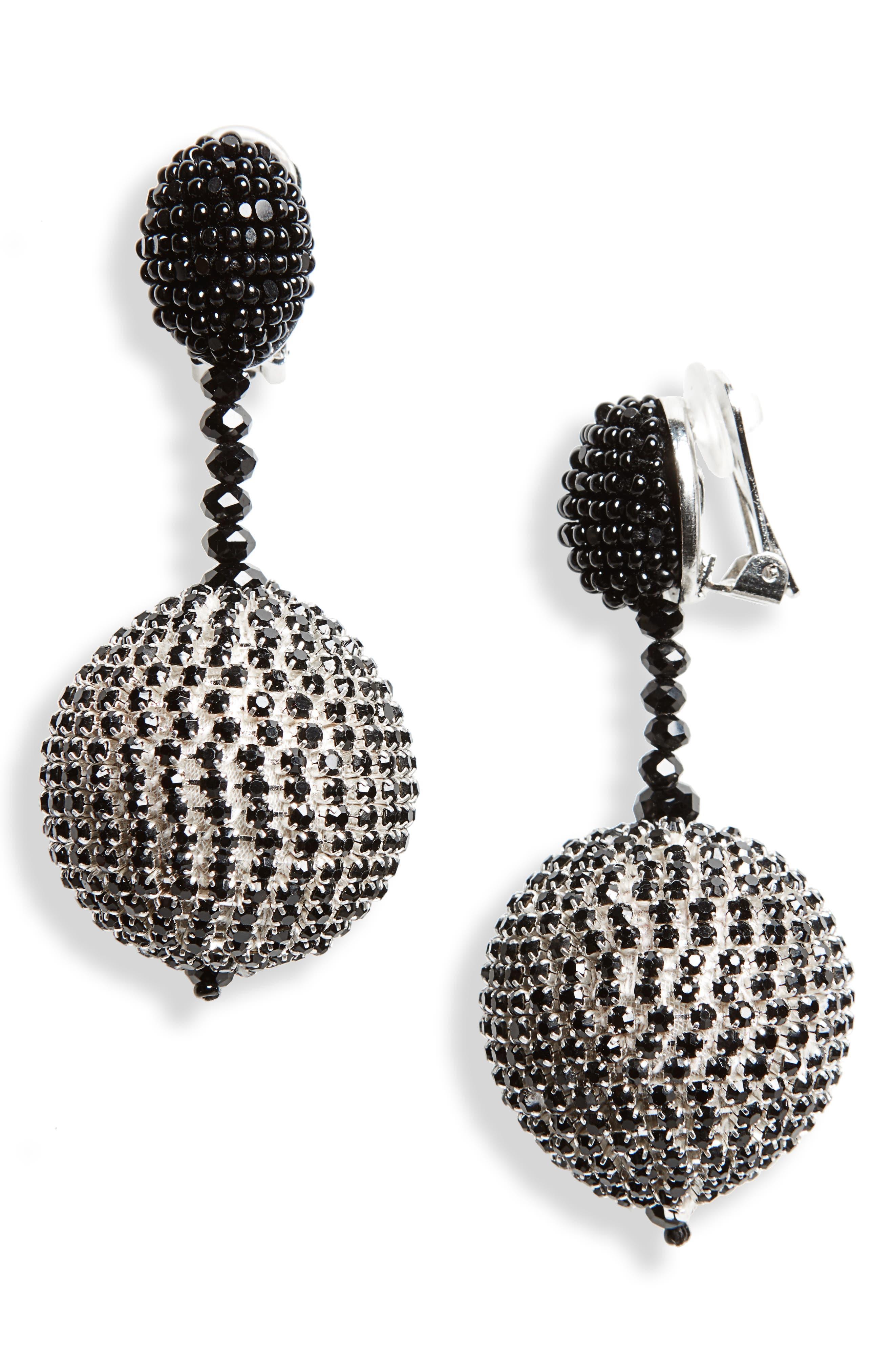 Main Image - Oscar de la Renta Beaded Drop Clip Earrings