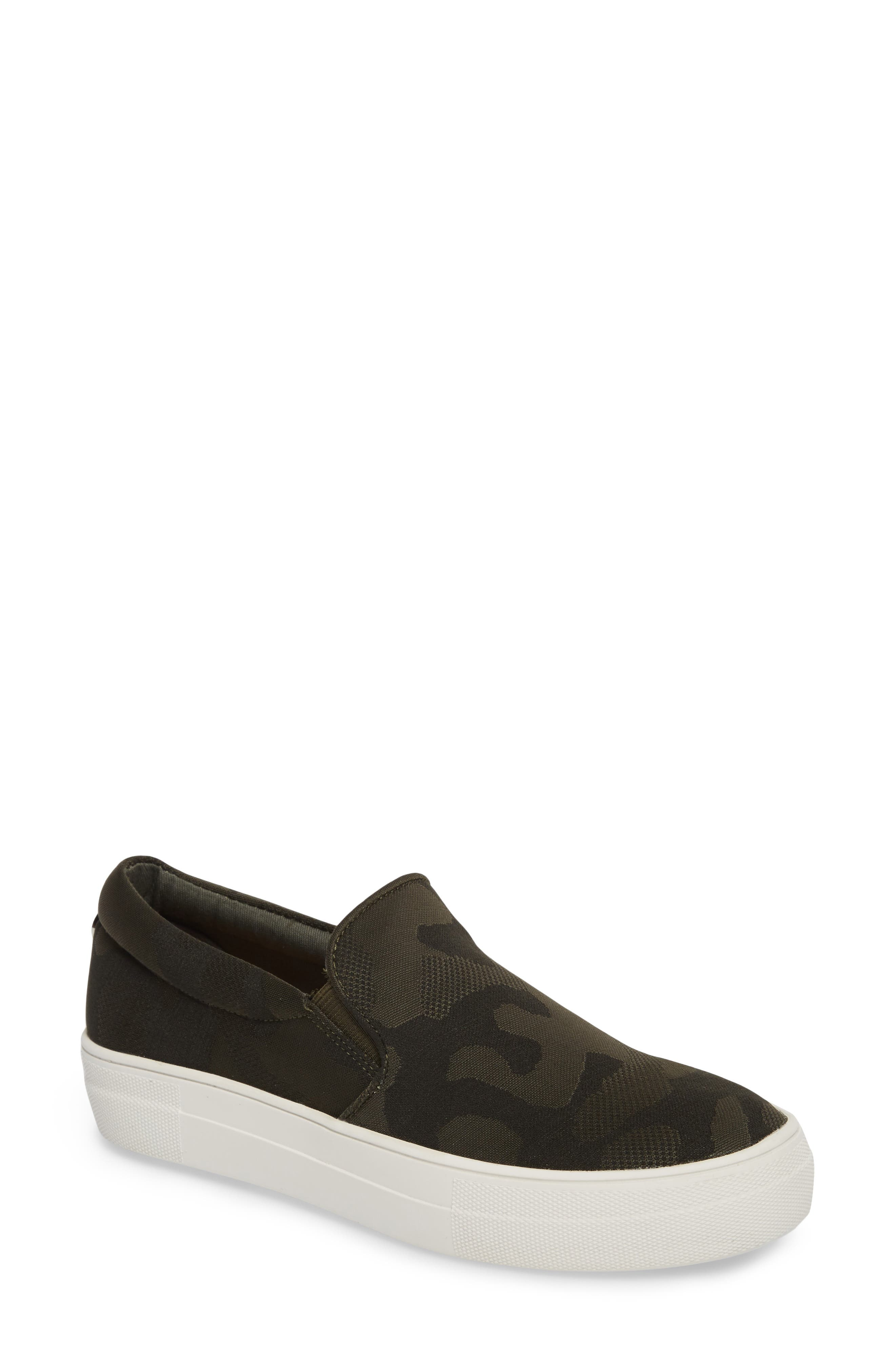 Alternate Image 1 Selected - Steve Madden Gills Platform Slip-On Sneaker (Women)