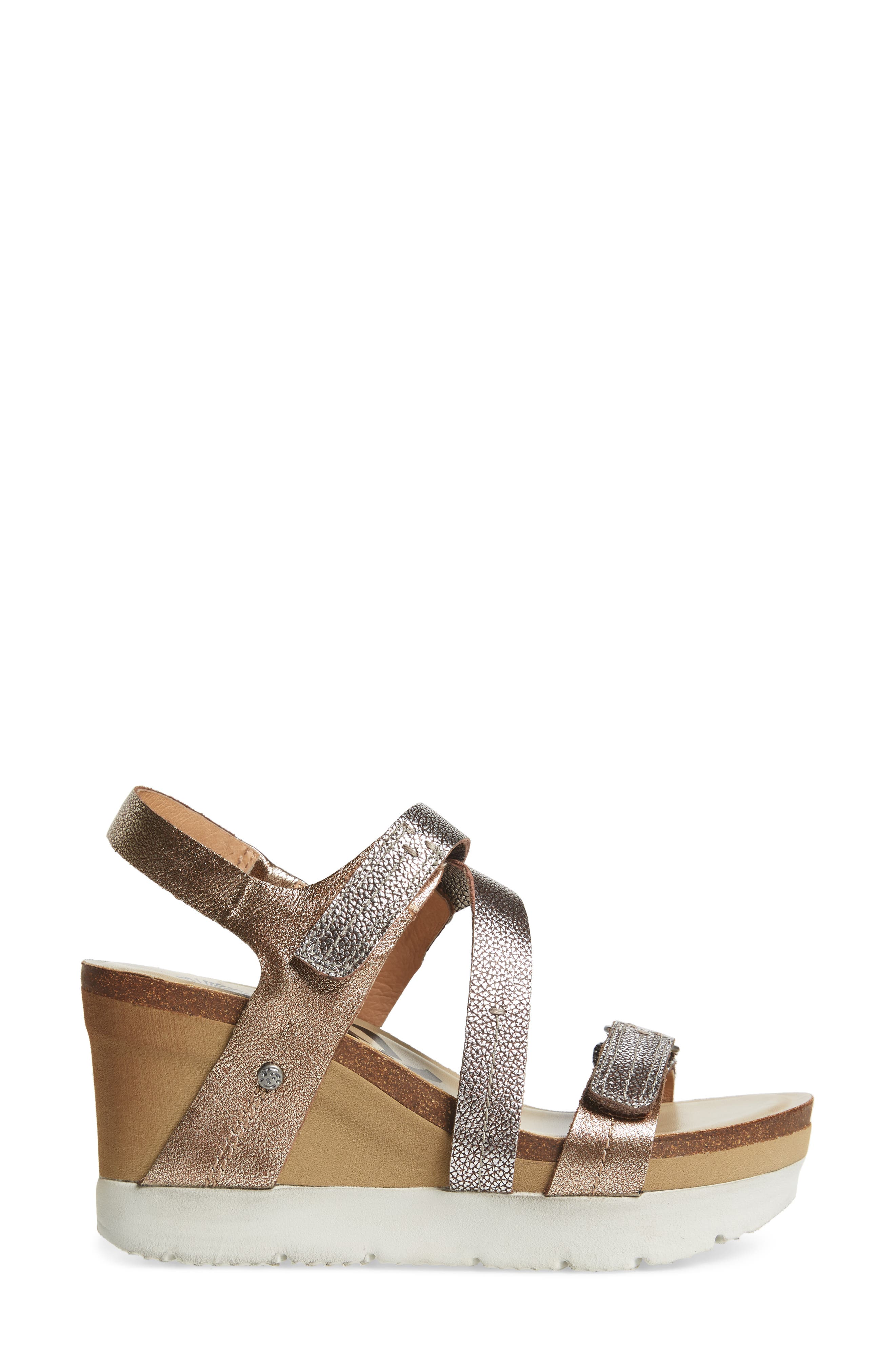 Wavey Wedge Sandal,                             Alternate thumbnail 3, color,                             Gold Leather