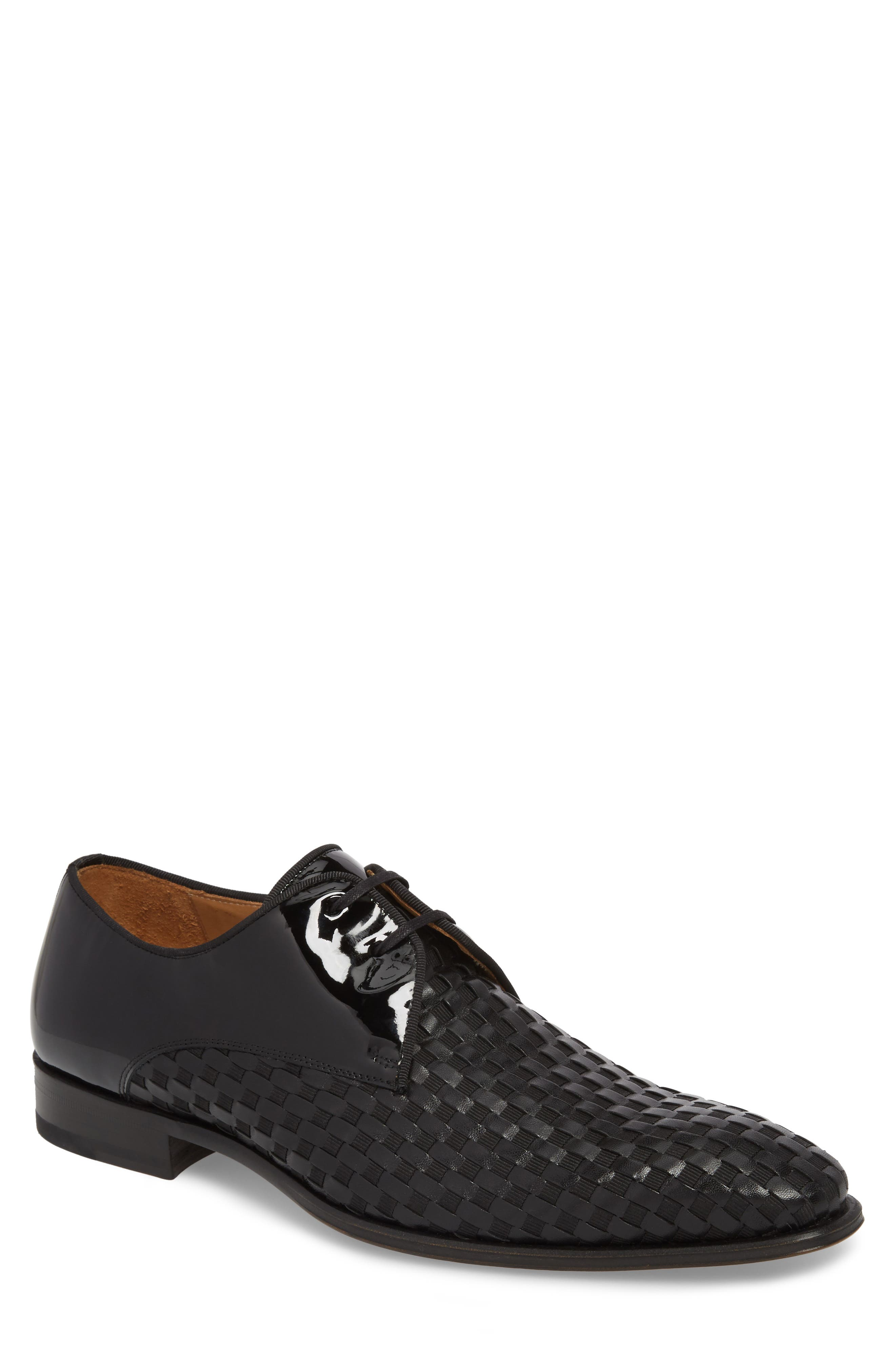 MEZLAN Sexto Plain Toe Derby in Black Leather