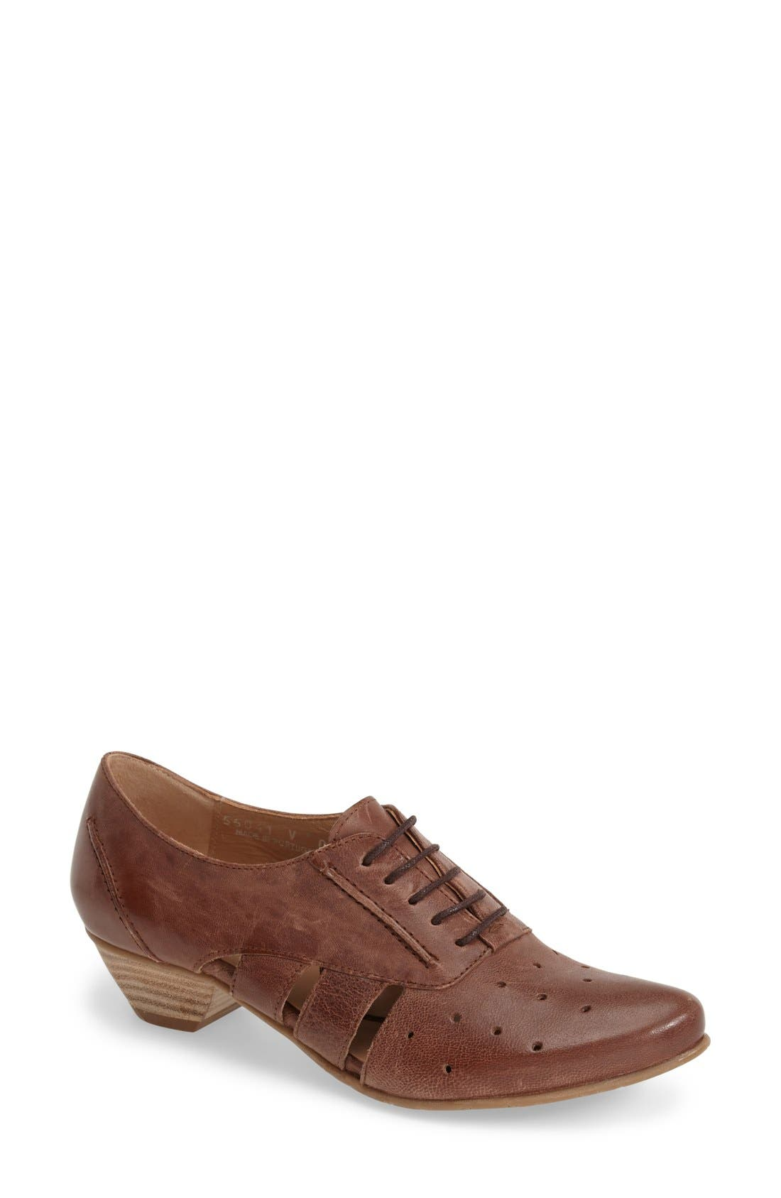 'VO92' Perforated Leather Pump,                         Main,                         color, Brown