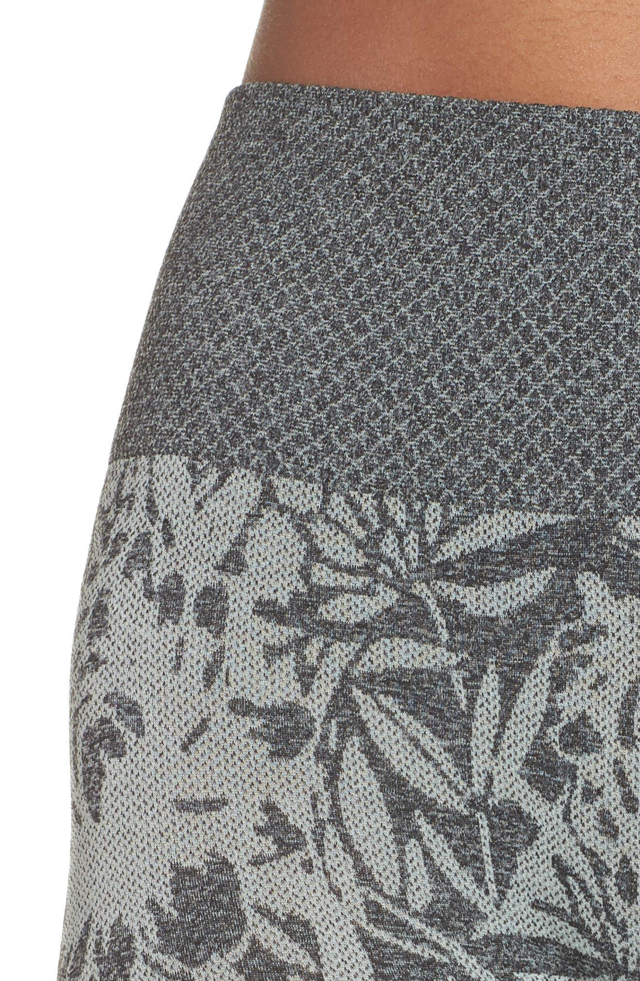 Pathway Capri Leggings,                             Alternate thumbnail 4, color,                             Blue Flower/ Black Melange