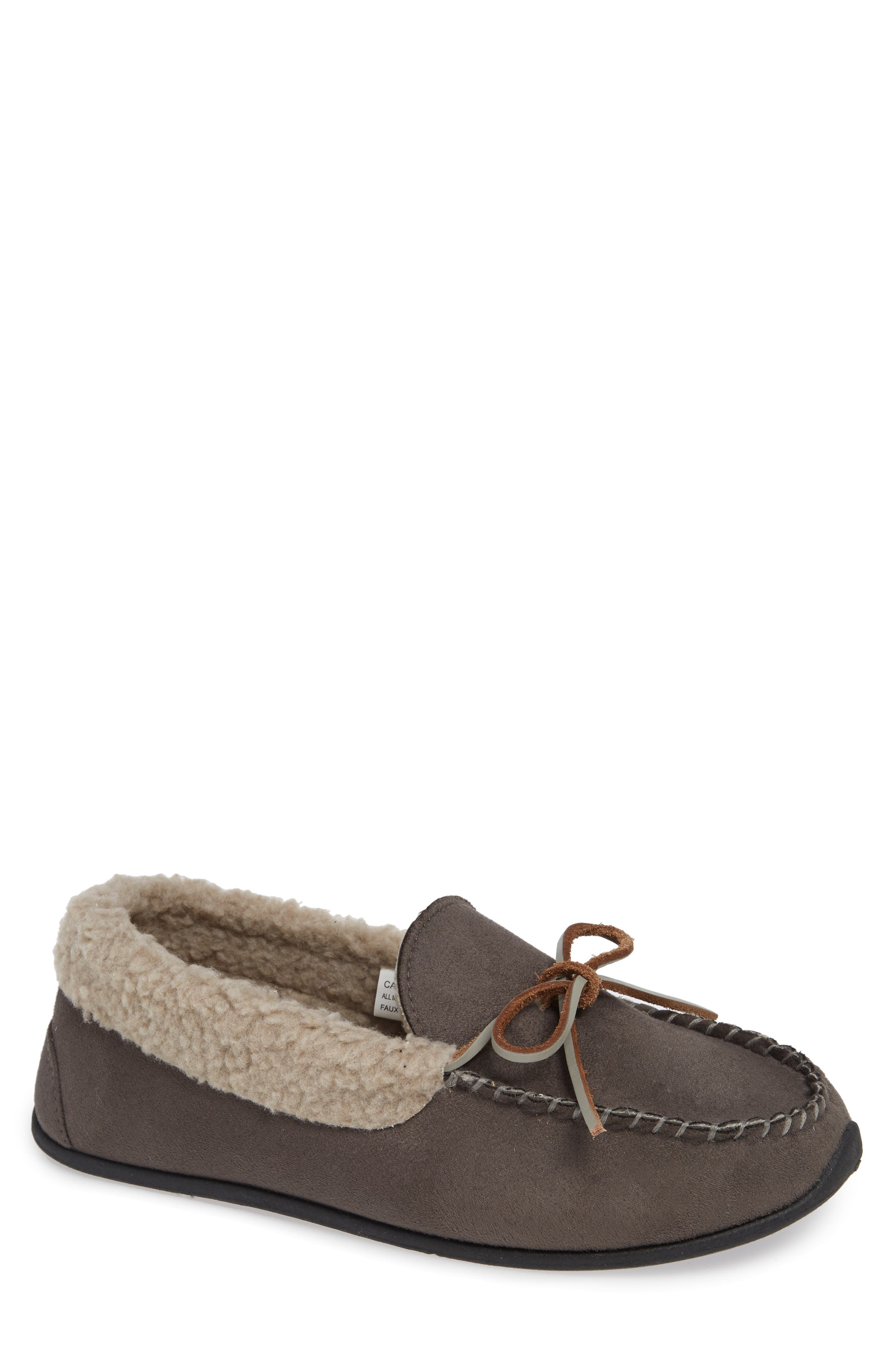 87857f7e1216 Men s Deer Stags Slippers   Moccasins