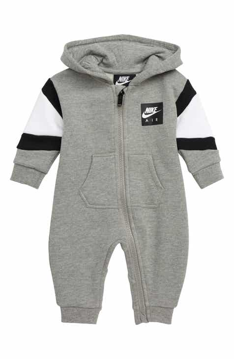 73e9f9117 Nike Clothing for Kids