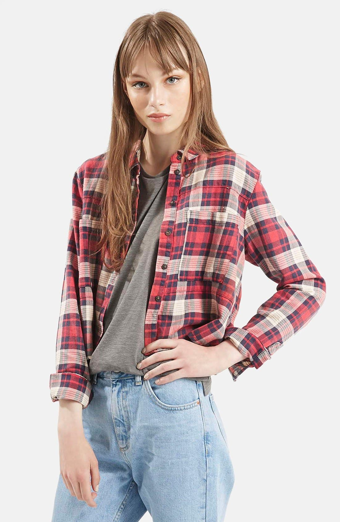 Main Image - Topshop 'Chloe' Crop Plaid Shirt