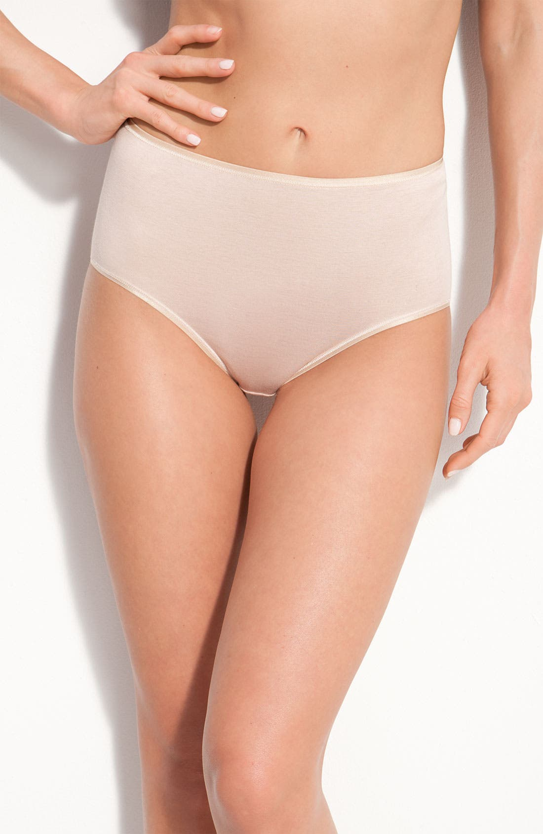 Alternate Image 1 Selected - Hanro Seamless Cotton Full-Cut Briefs