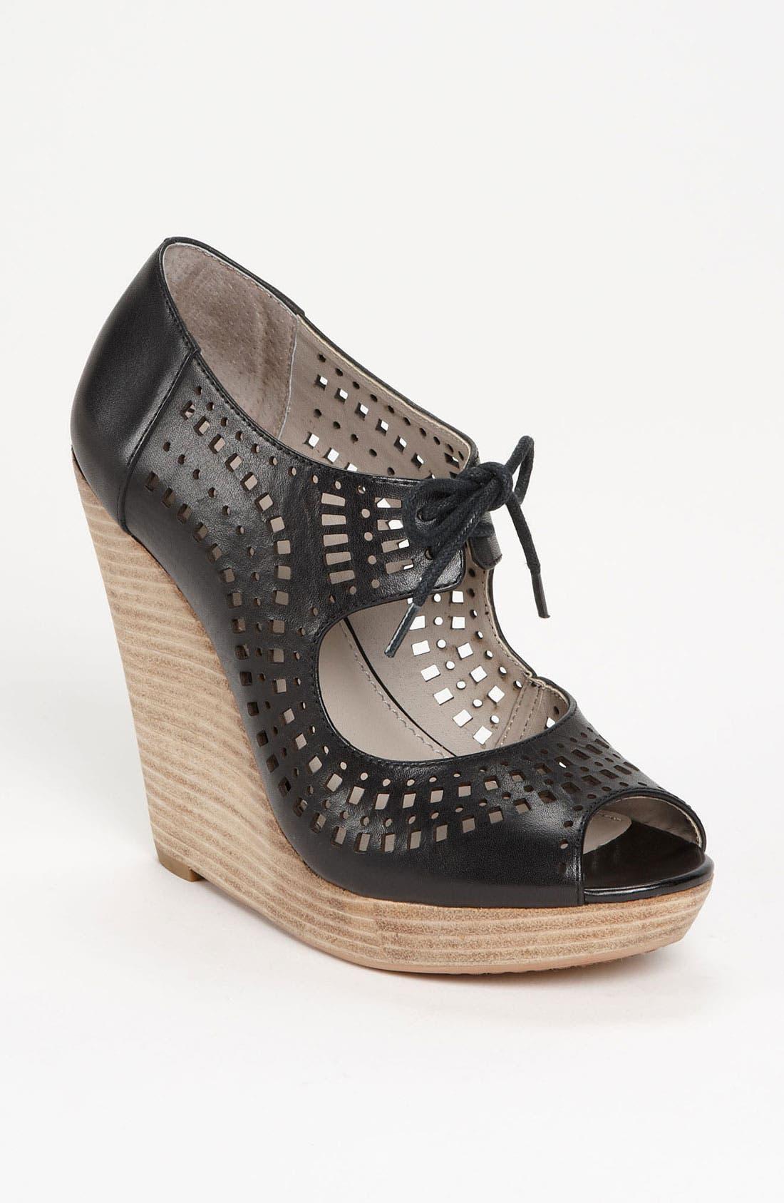 Main Image - Hinge® 'Annibell' Wedge Sandal