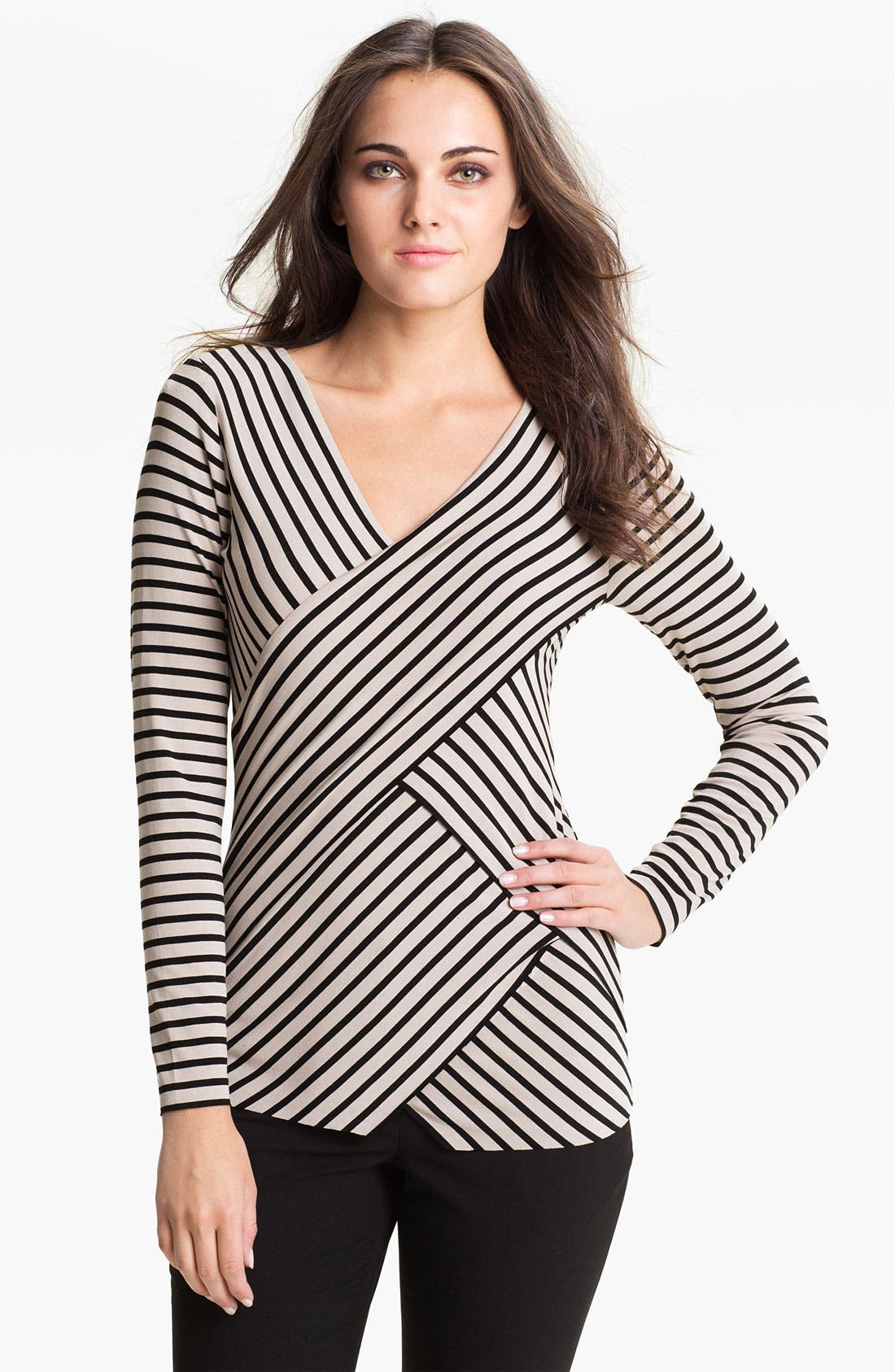 Main Image - Vince Camuto 'Zigzag' Top (Petite)