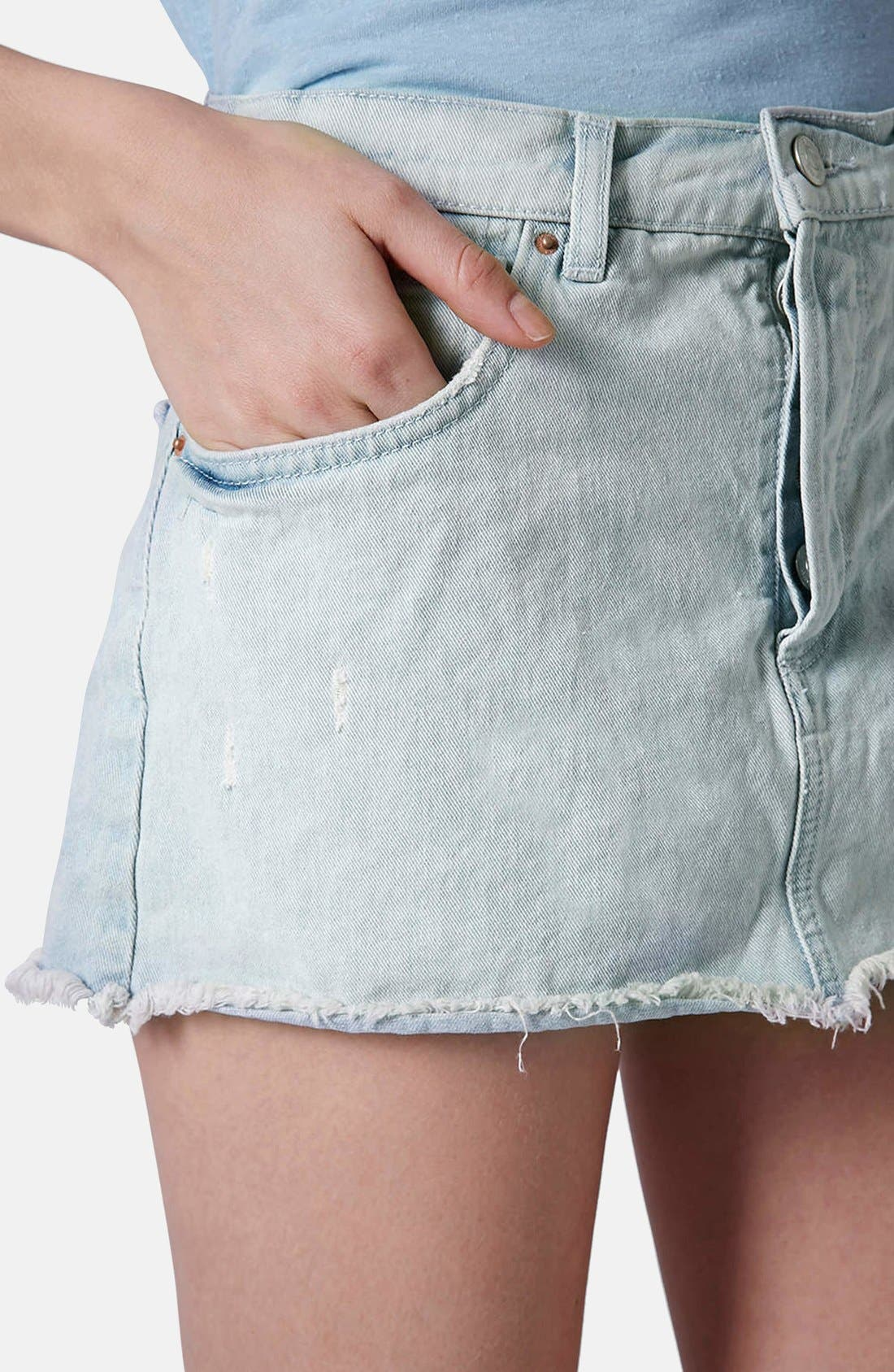 Alternate Image 4  - Topshop Moto Bleach Wash Cutoff Skirt (Light Denim)