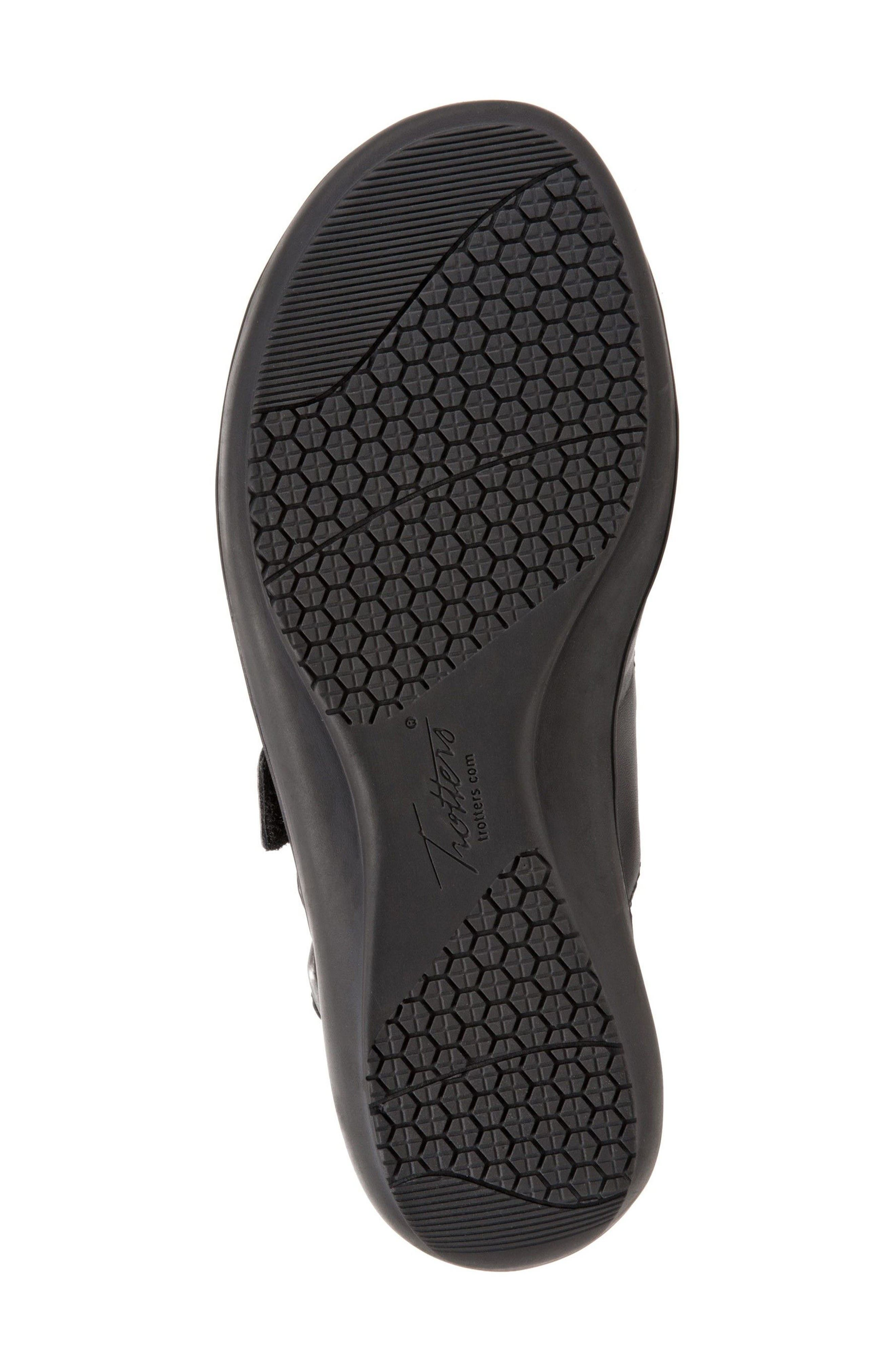 Alternate Image 4  - Trotters Kendra Strappy Slingback Sandal (Women)