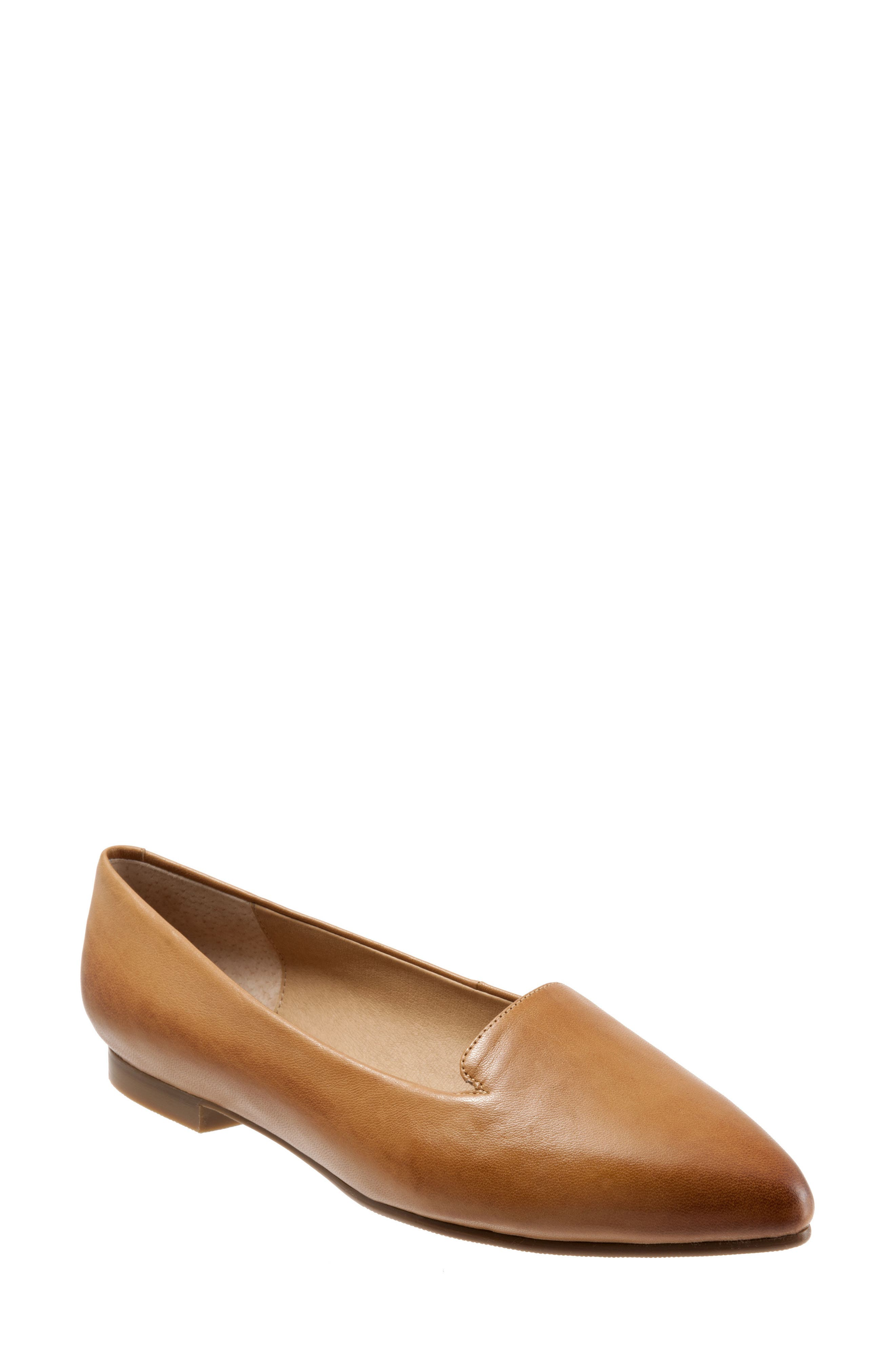 Trotters Harlowe Pointy Toe Loafer (Women)