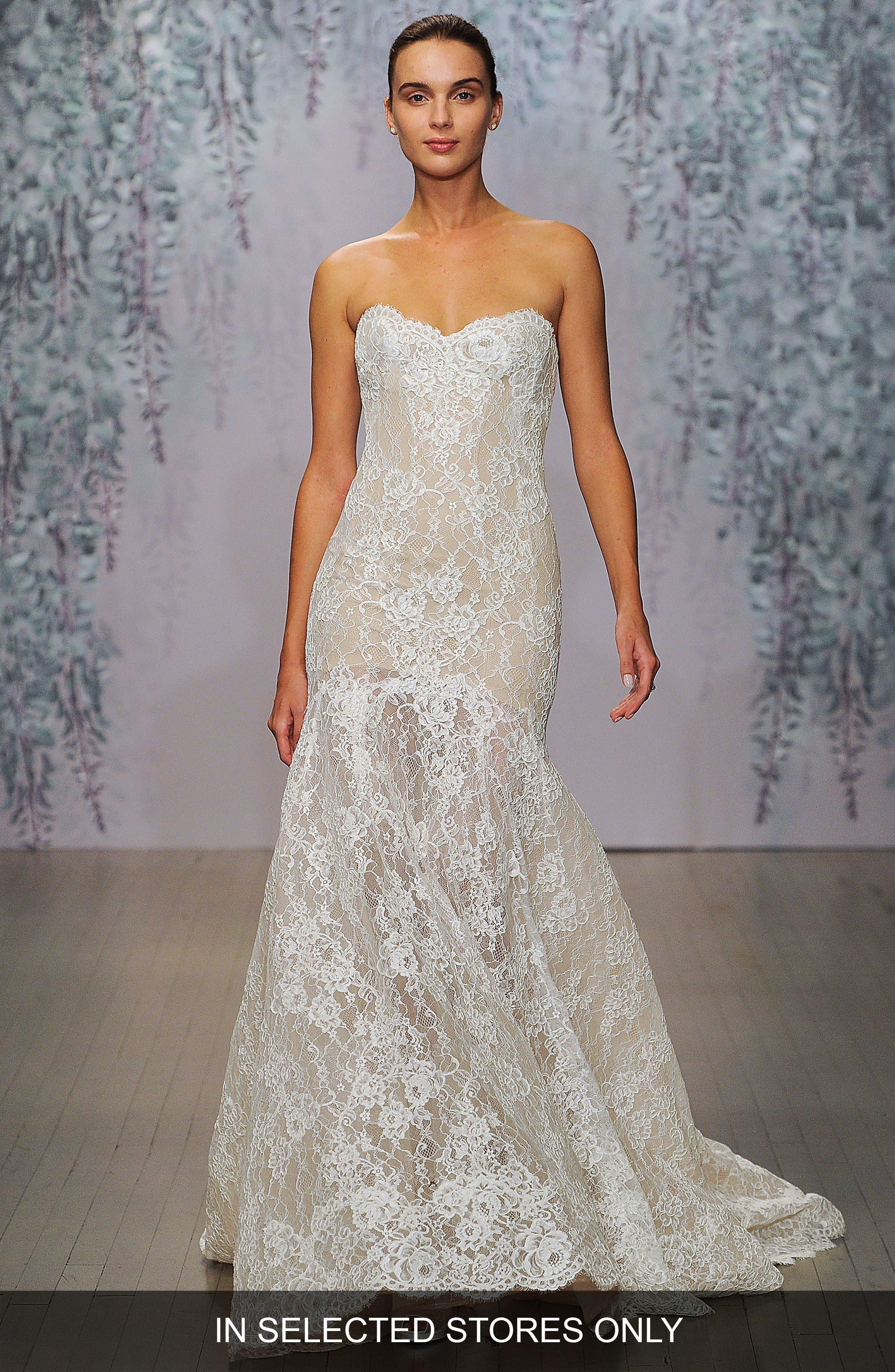 Main Image - Monique Lhuillier Farren Strapless Lace Trumpet Dress