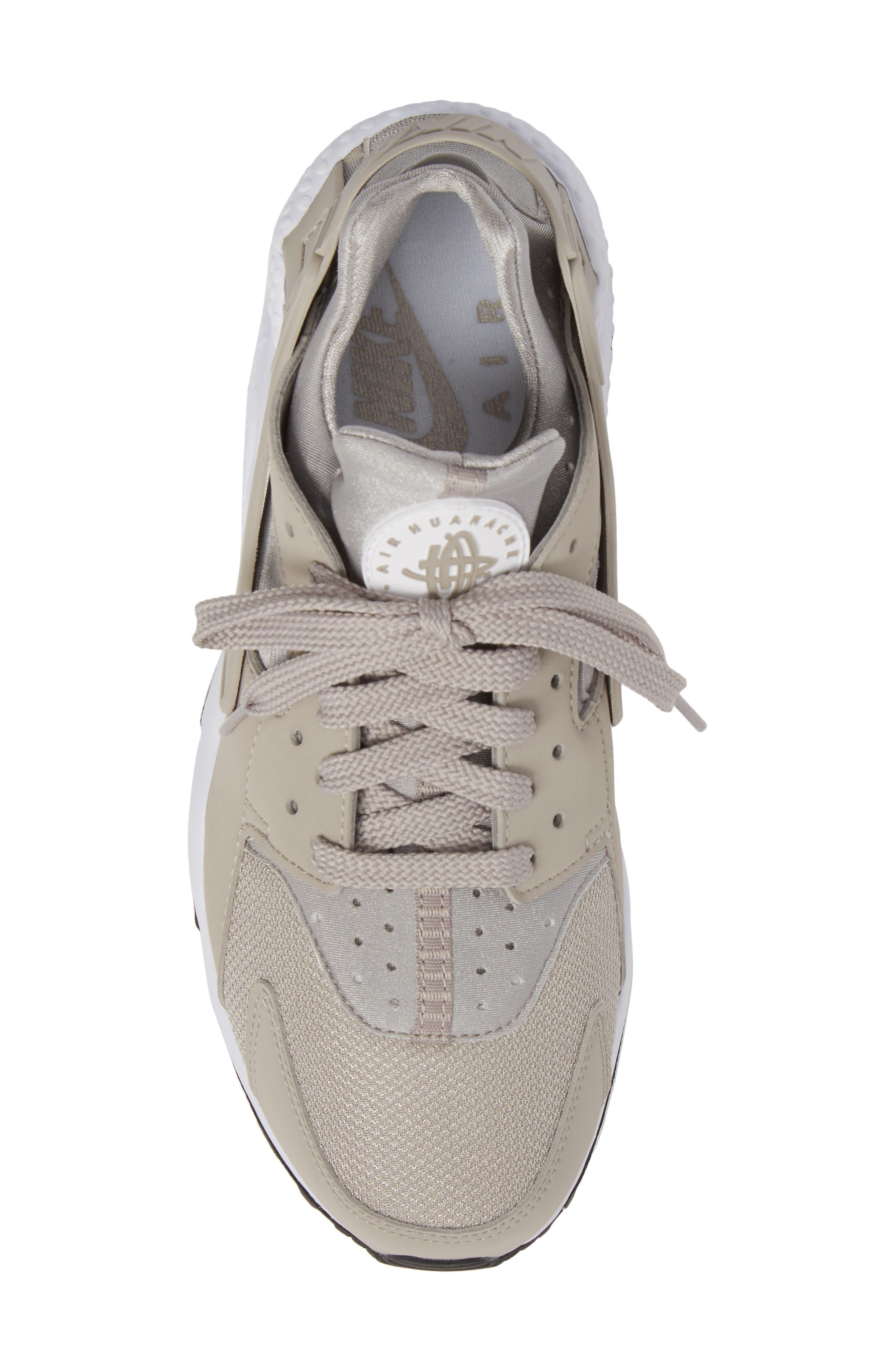Alternate Image 5  - Nike 'Air Huarache' Sneaker (Men)