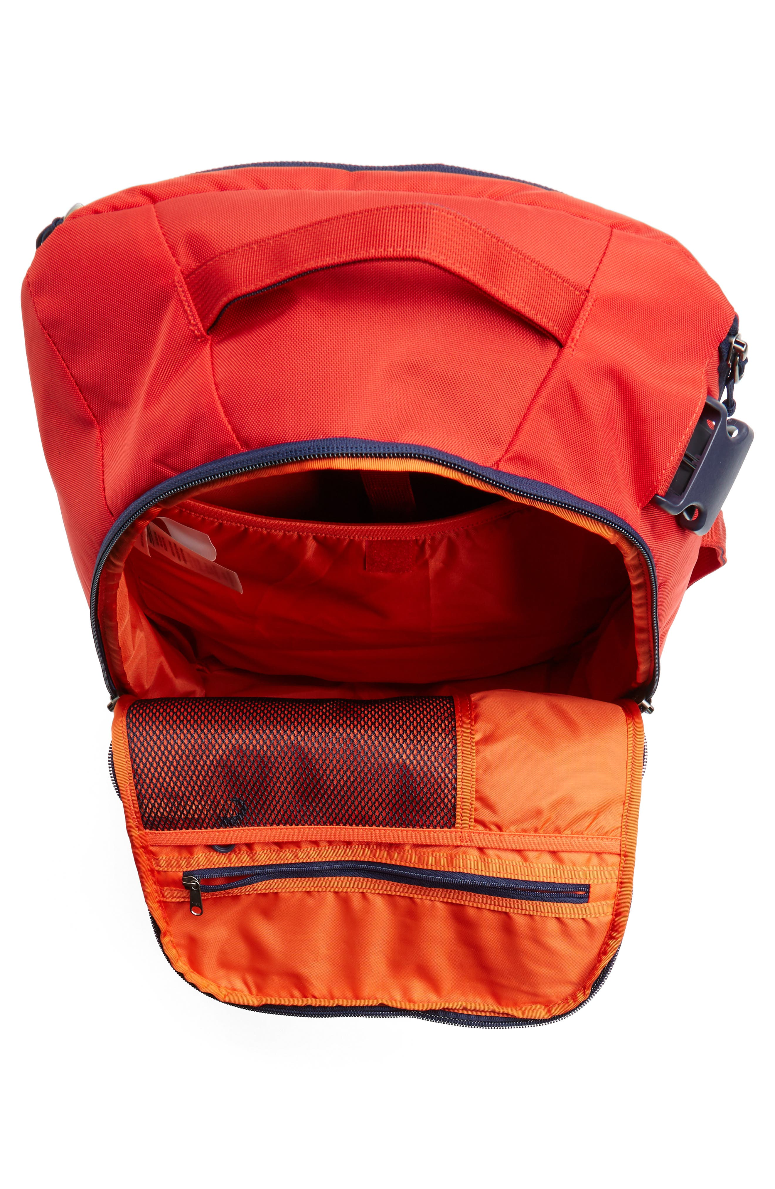 Alternate Image 4  - Patagonia Tres 25-Liter Convertible Backpack