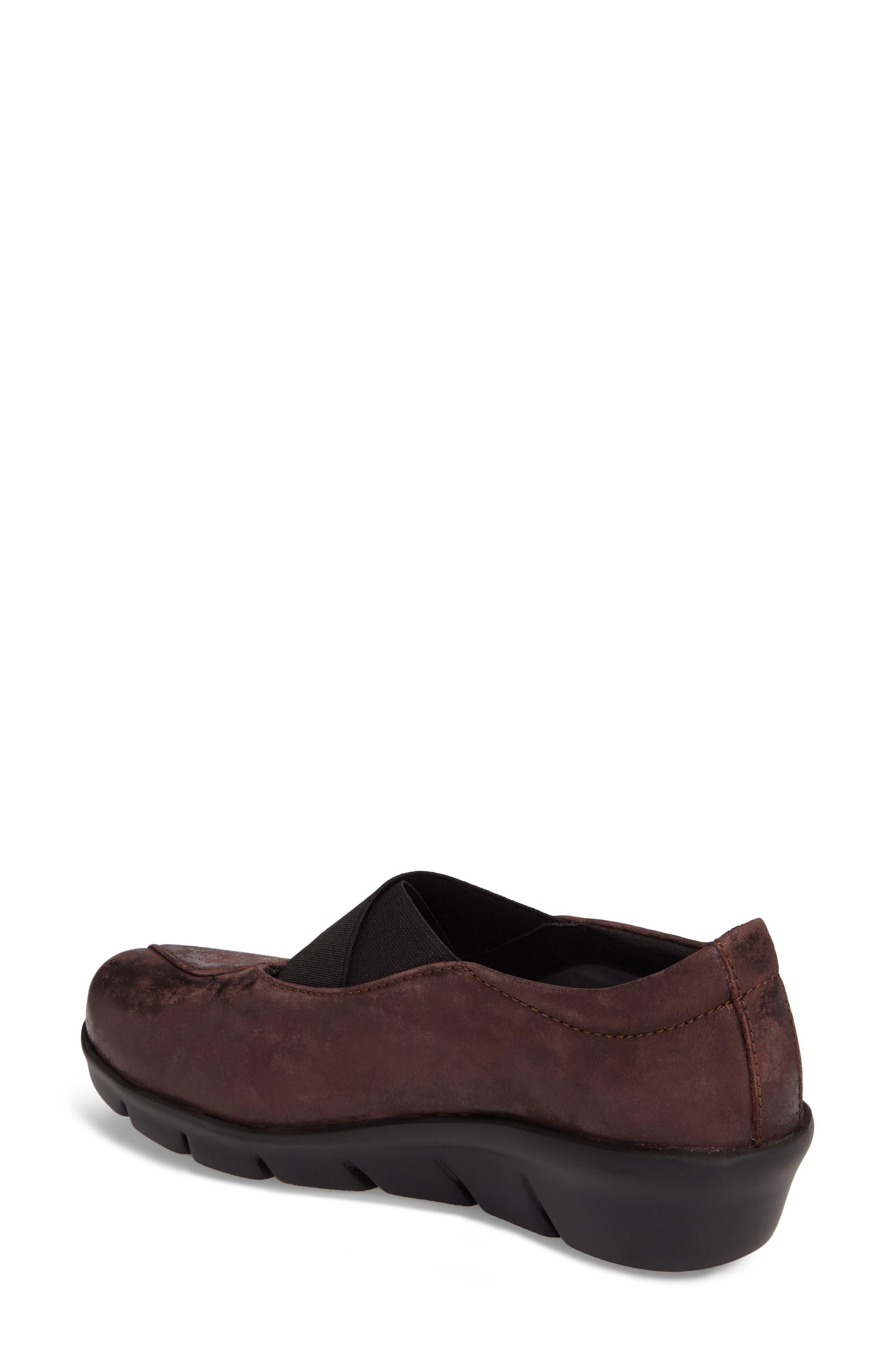 Cursa Slip-On Sneaker,                             Alternate thumbnail 2, color,                             Mocha Leather