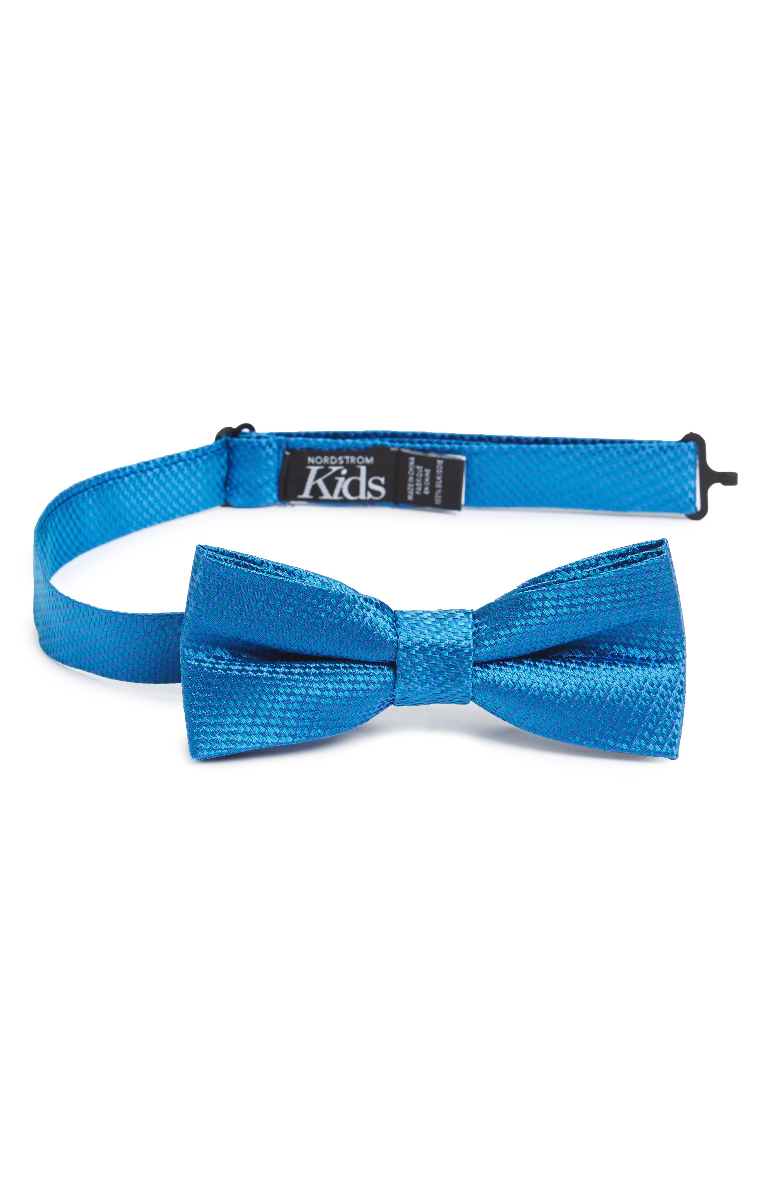 Alternate Image 1 Selected - Nordstrom Solid Silk Bow Tie (Big Boys)
