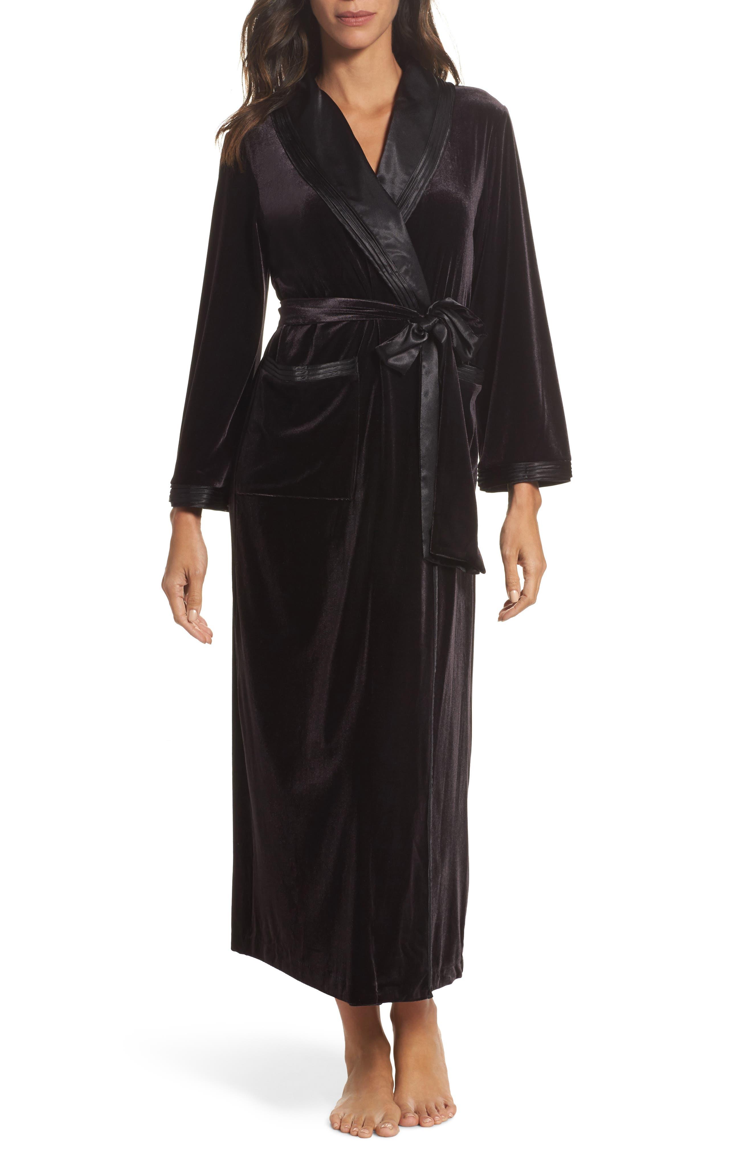 Oscar de la Renta Sleepwear Long Velvet Robe
