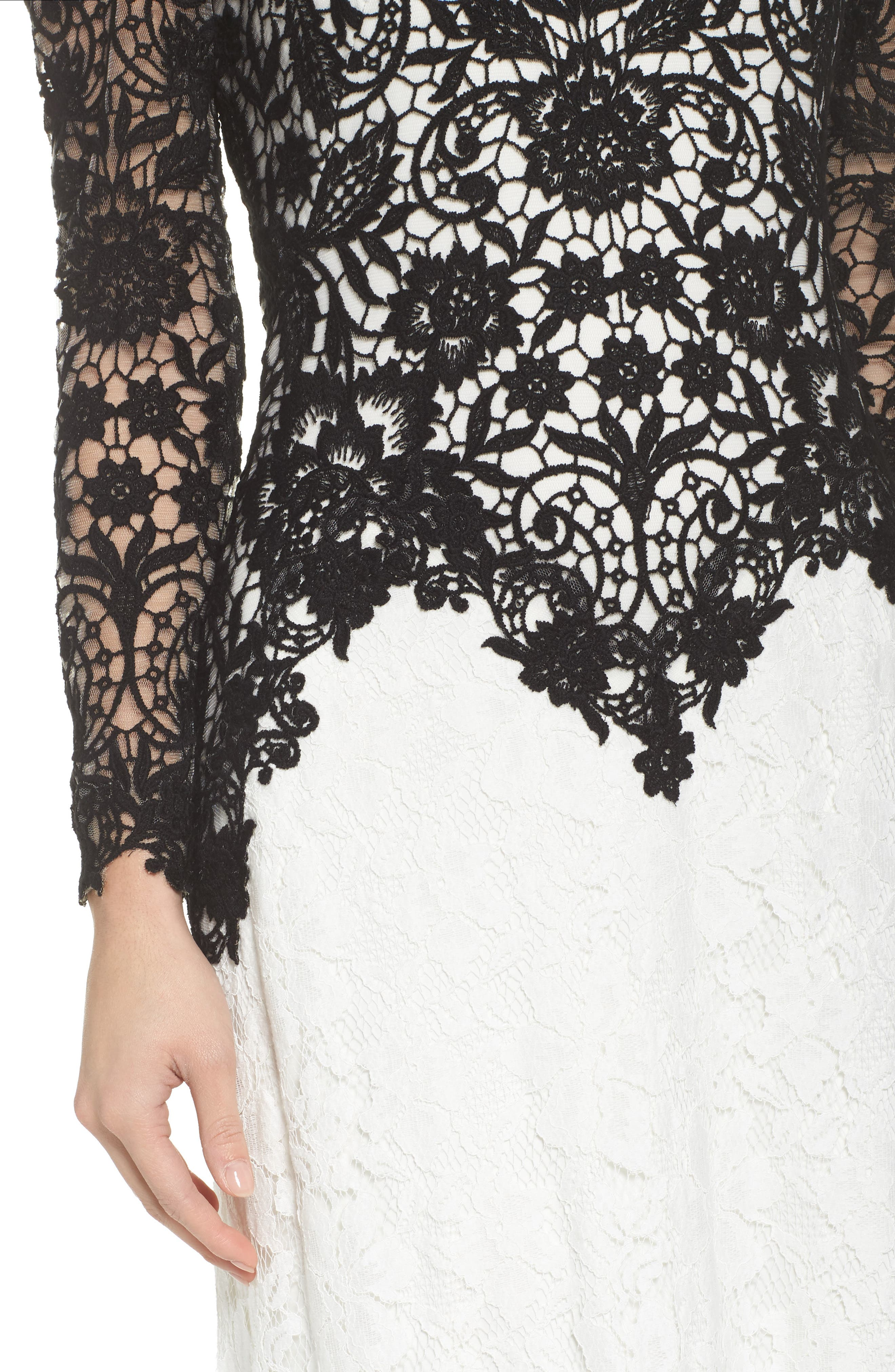 Illusion Neck Two-Tone Lace Gown,                             Alternate thumbnail 4, color,                             Black/ Ivory