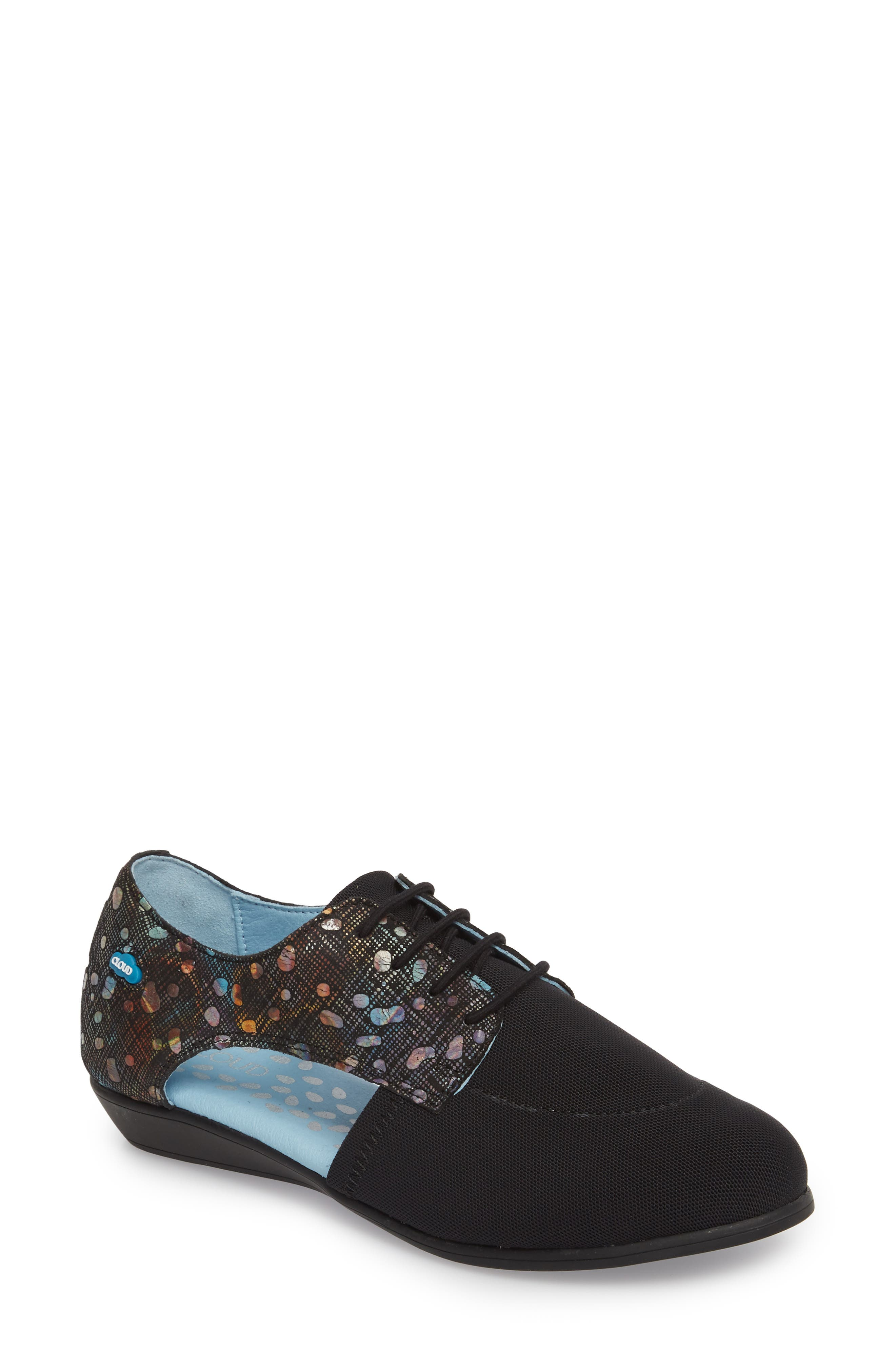 CLOUD Charm Cutout Oxford (Women)