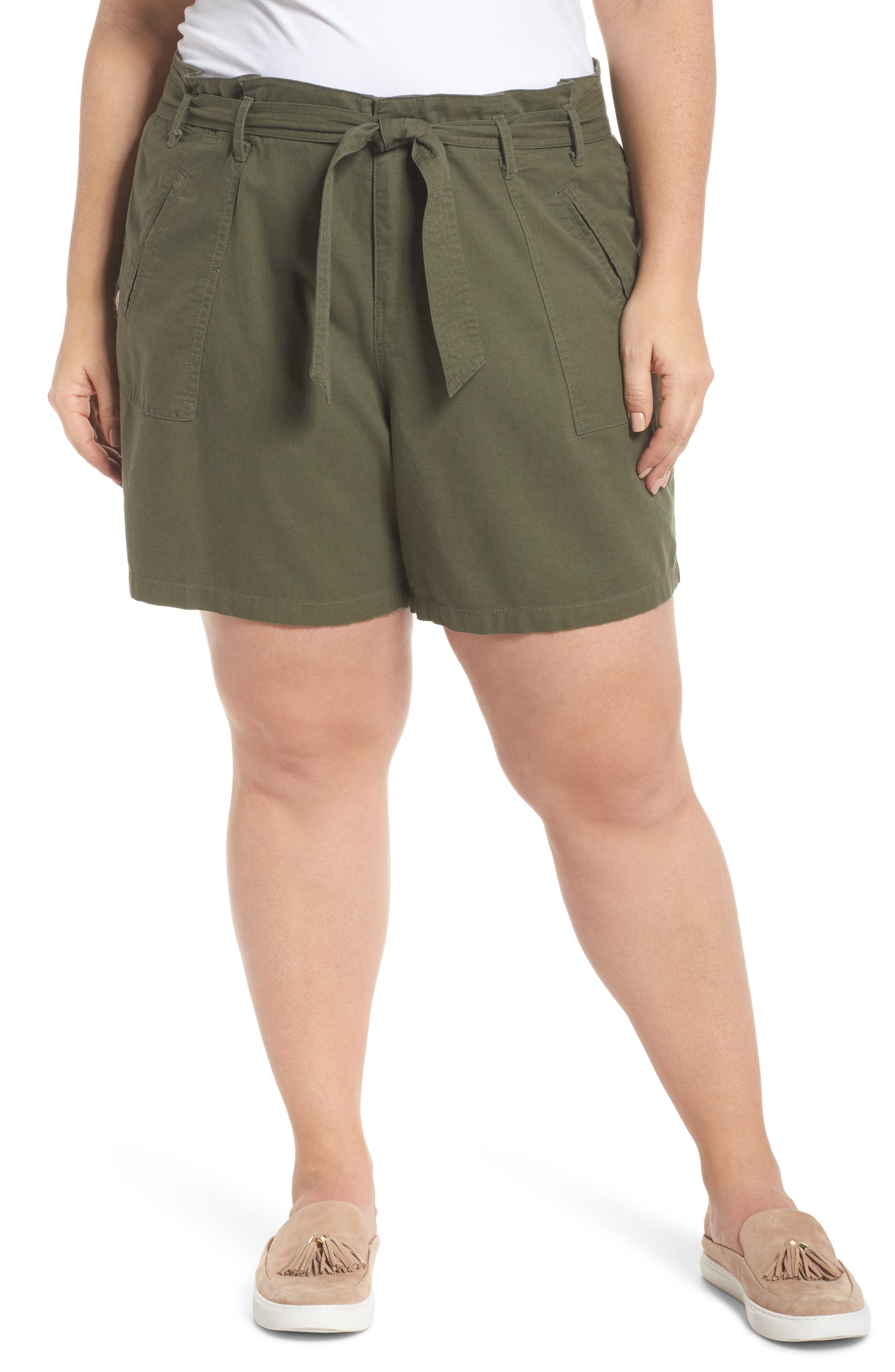 Caslon® Belted Twill Shorts (Plus Size)