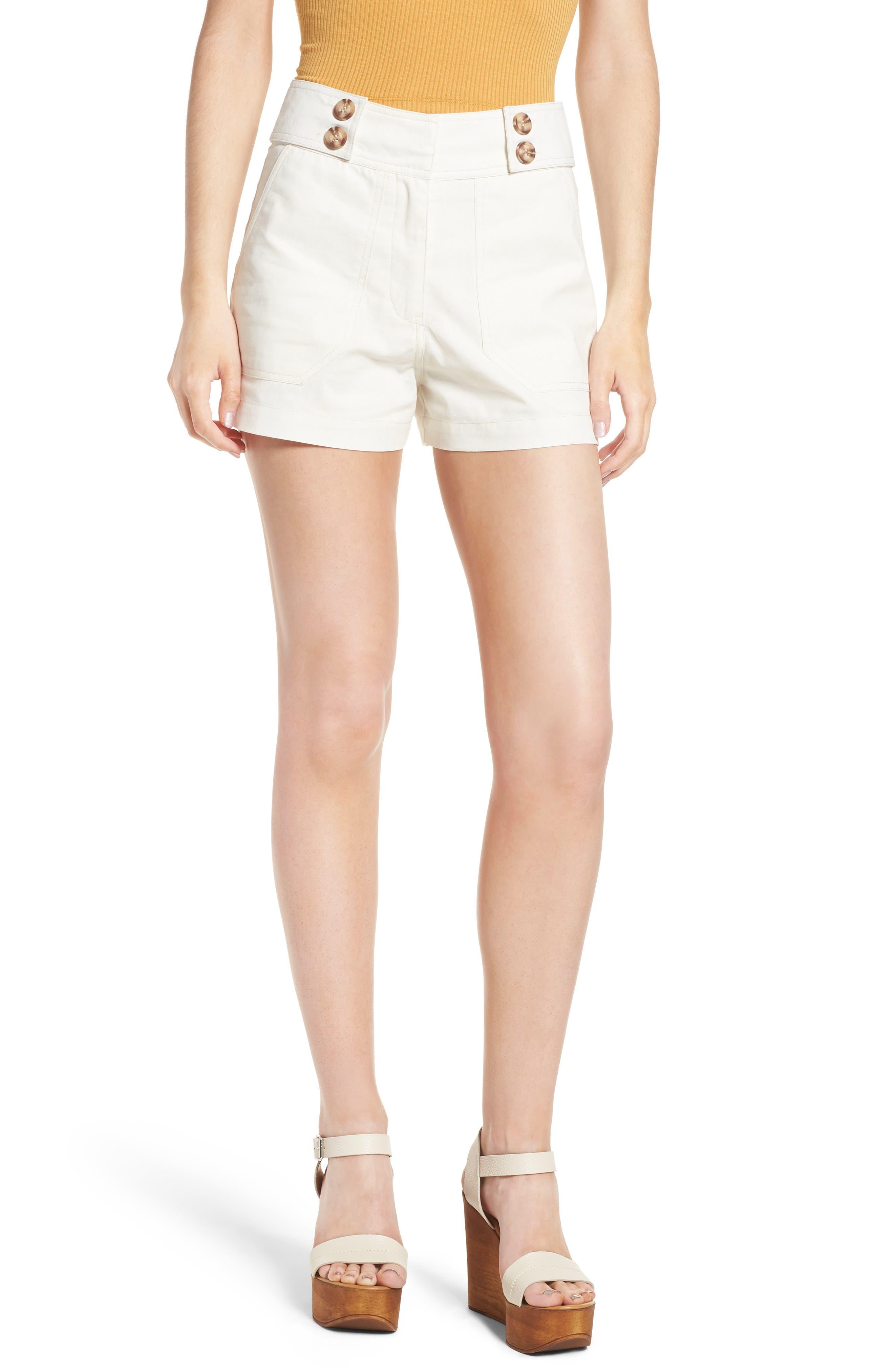 MOON RIVER Button Tab Shorts