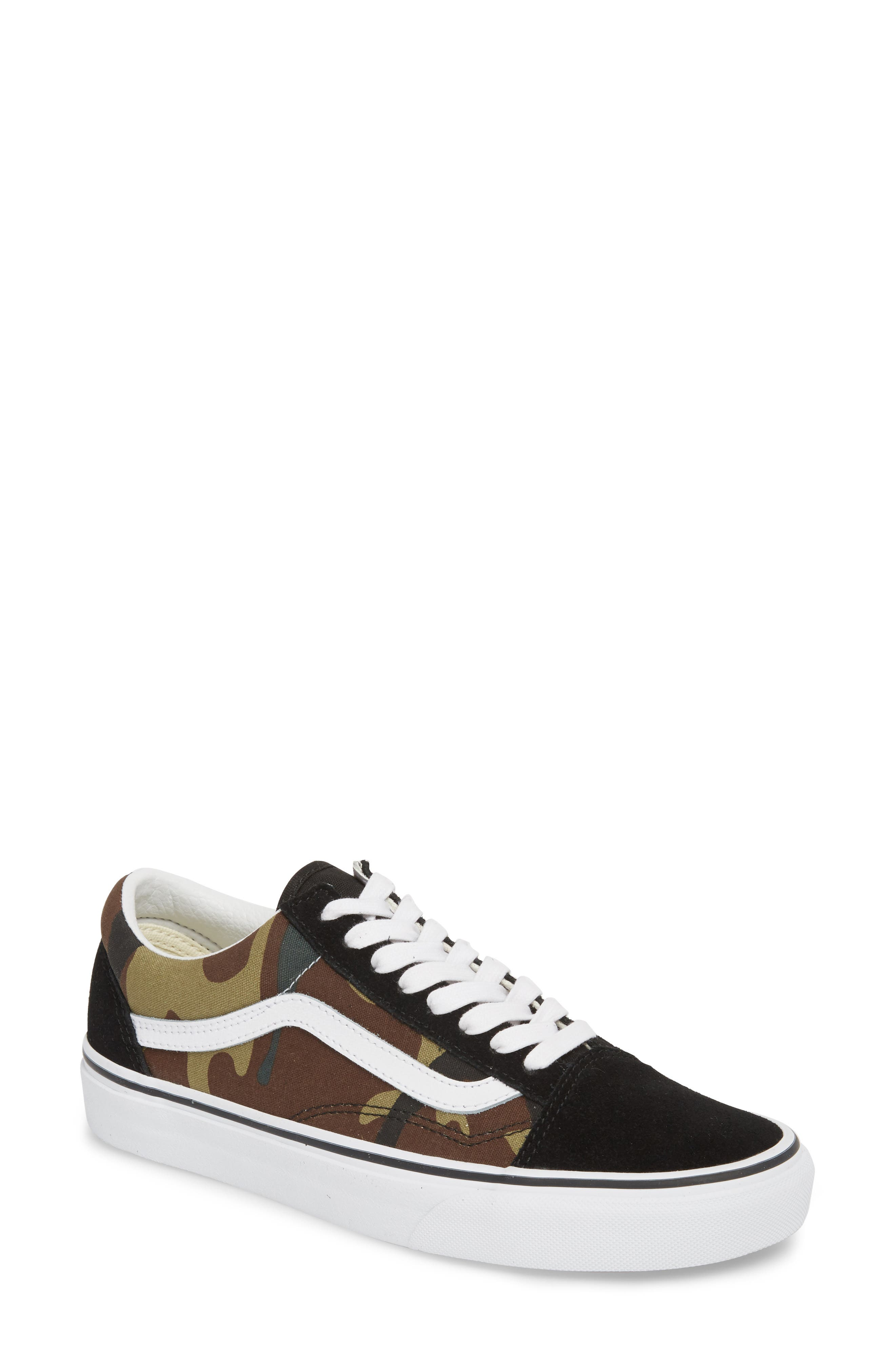 Old Skool Sneaker by Vans