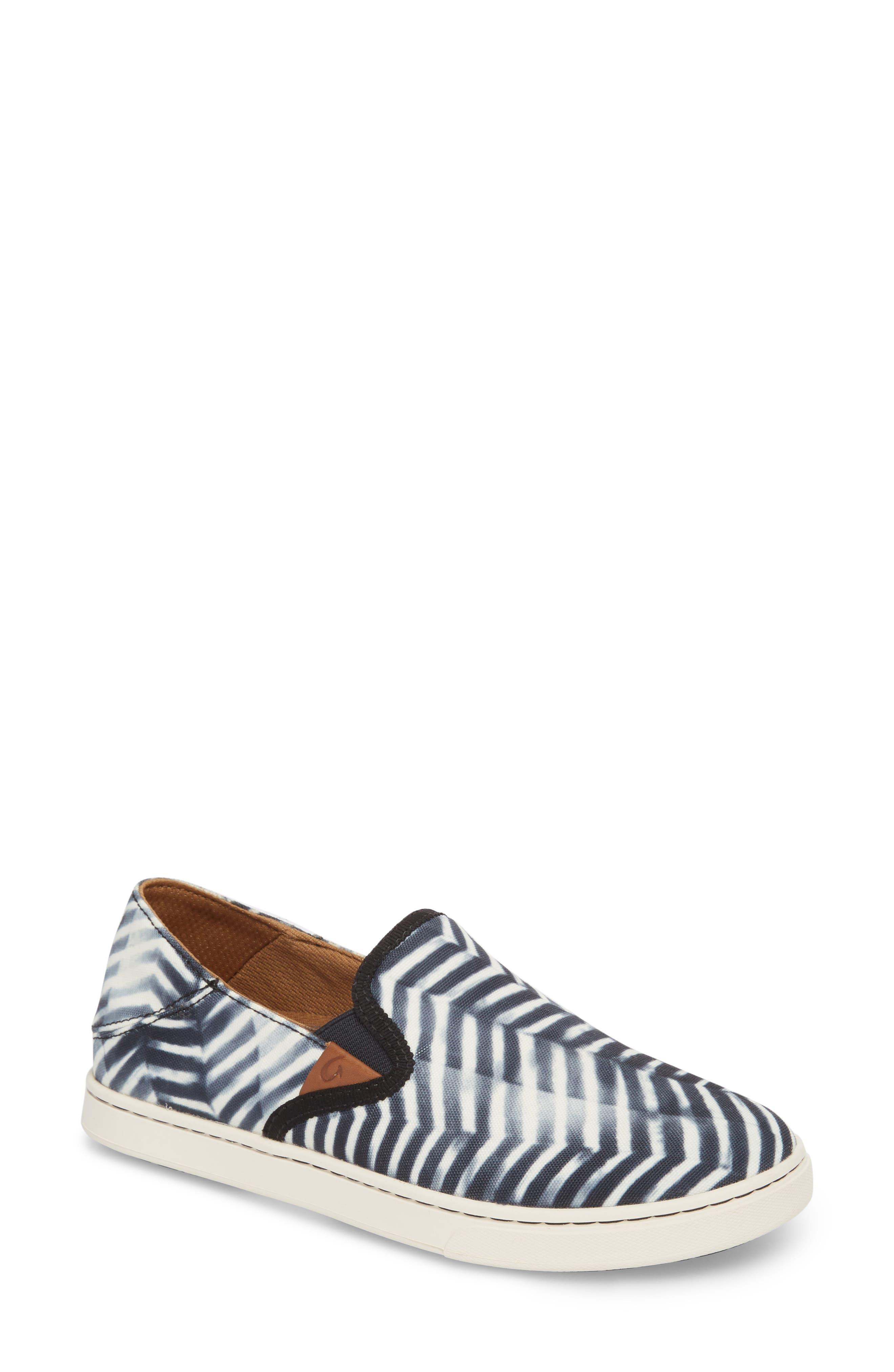 OluKai Pehuea Pa'i Convertible Sneaker (Women)