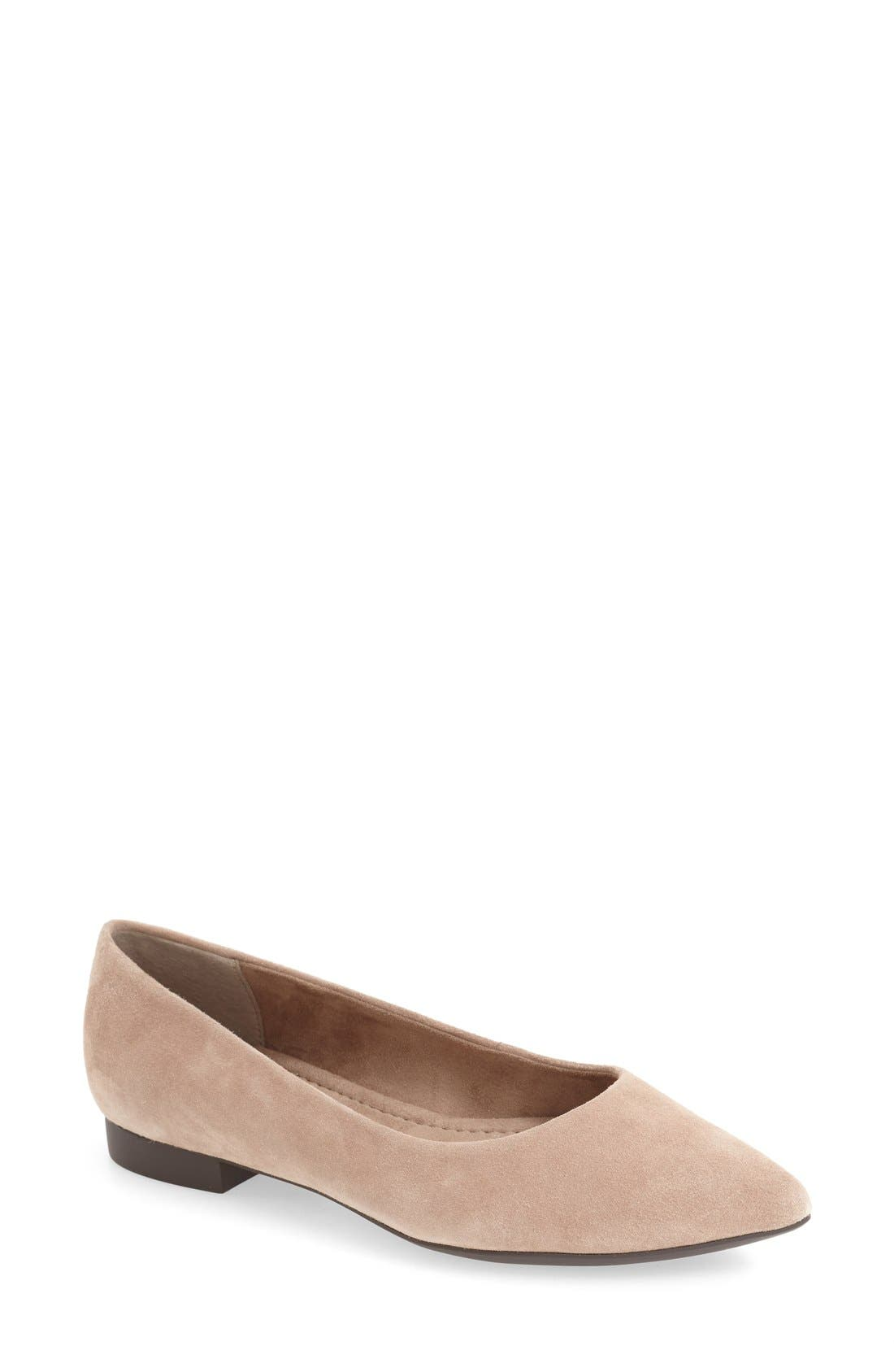 Bella Vita 'Vivien' Pointy Toe Flat (Women)