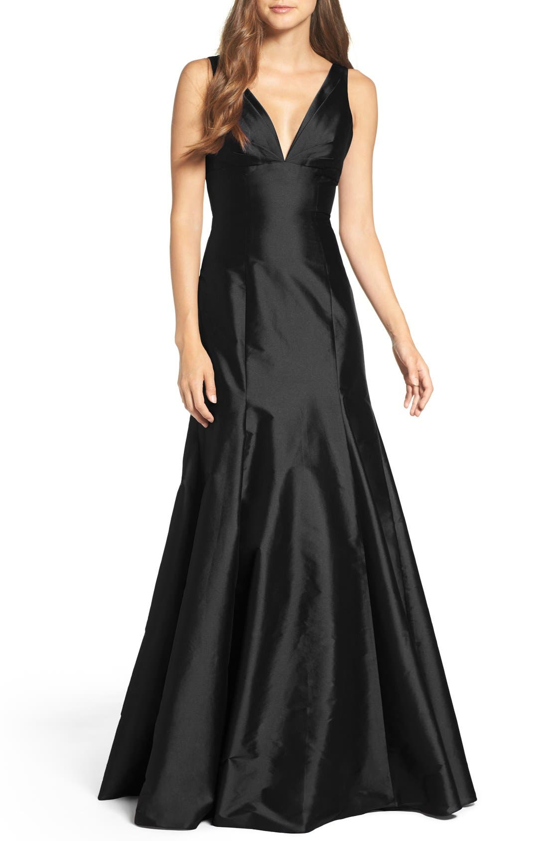 Monique Lhuillier Bridesmaids Deep V-Neck Taffeta Trumpet Gown