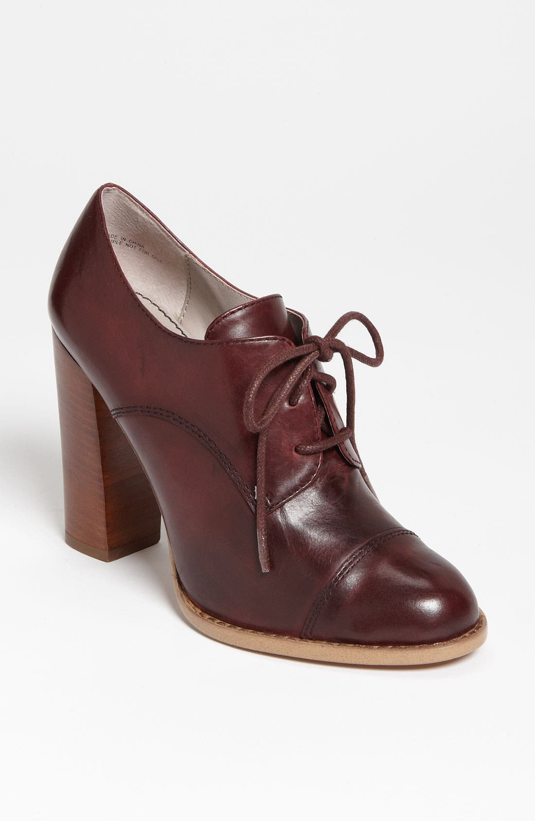Alternate Image 1 Selected - Hinge® 'Highland' Oxford Pump