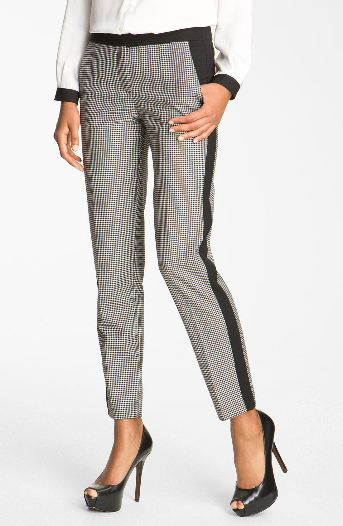 Main Image - Vince Camuto Colorblock Houndstooth Ankle Pants