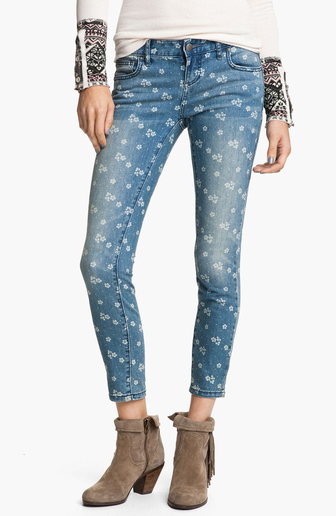 Main Image - Free People Print Crop Skinny Jeans (Canal Blue)