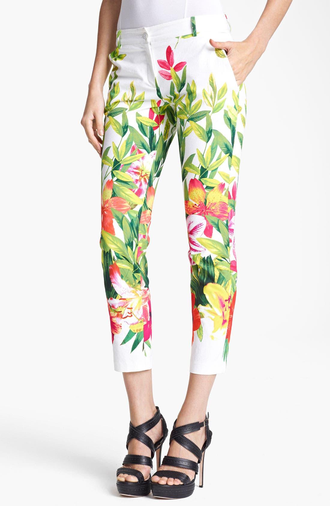 Main Image - Blumarine Floral Print Stretch Capri Pants