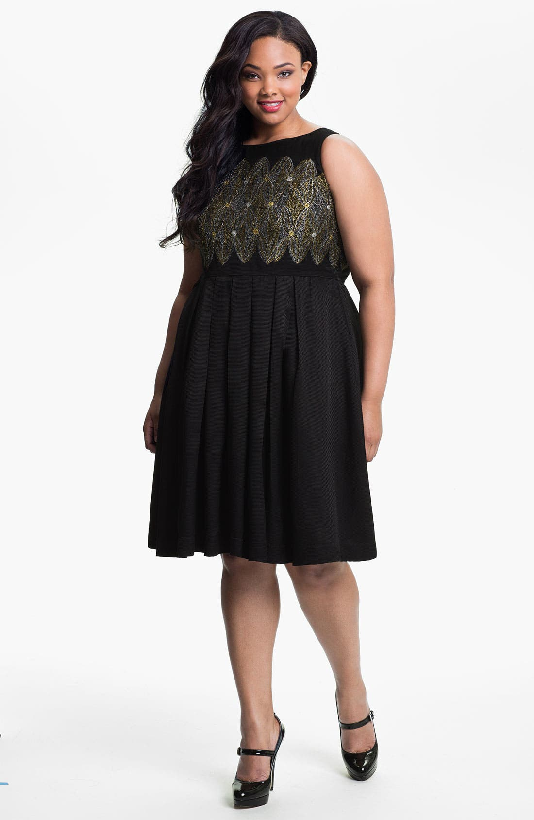 Main Image - Evans Embroidered Sleeveless Dress (Plus Size)