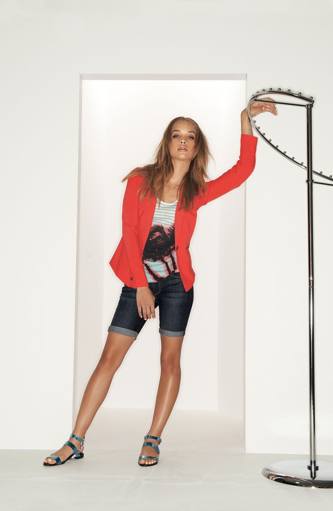 Main Image - Paige Shorts, Trouvé Blazer & Tee
